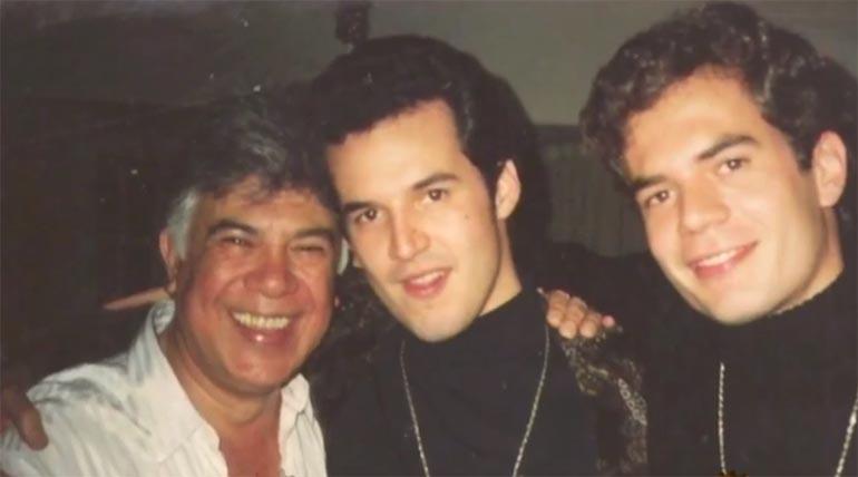 Leo Satragno con su padre, Raúl Lavie, y su hermano Gastón