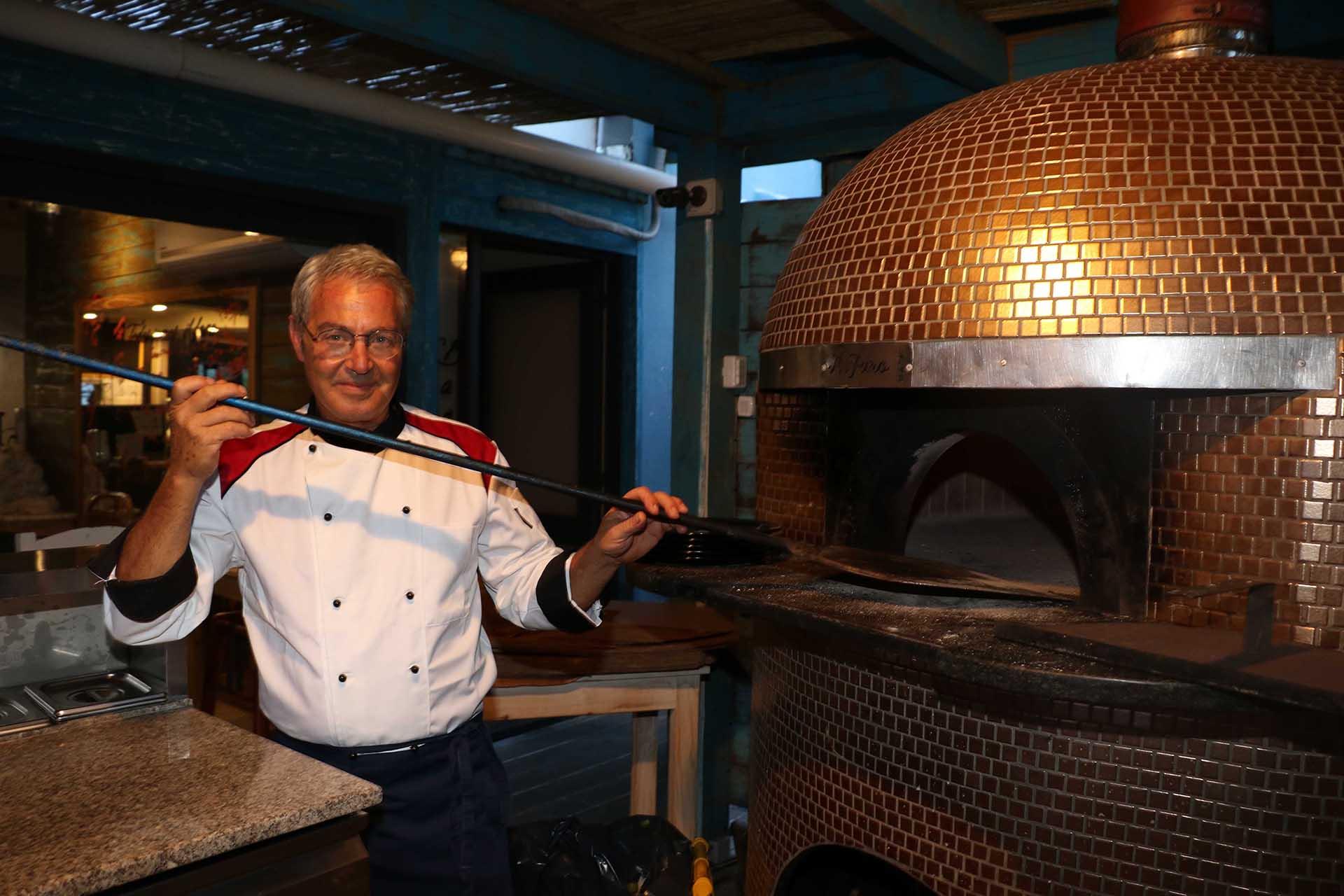 El horno fue traído de Nápoles y pesa tres toneladas (Foto: Matías Souto)