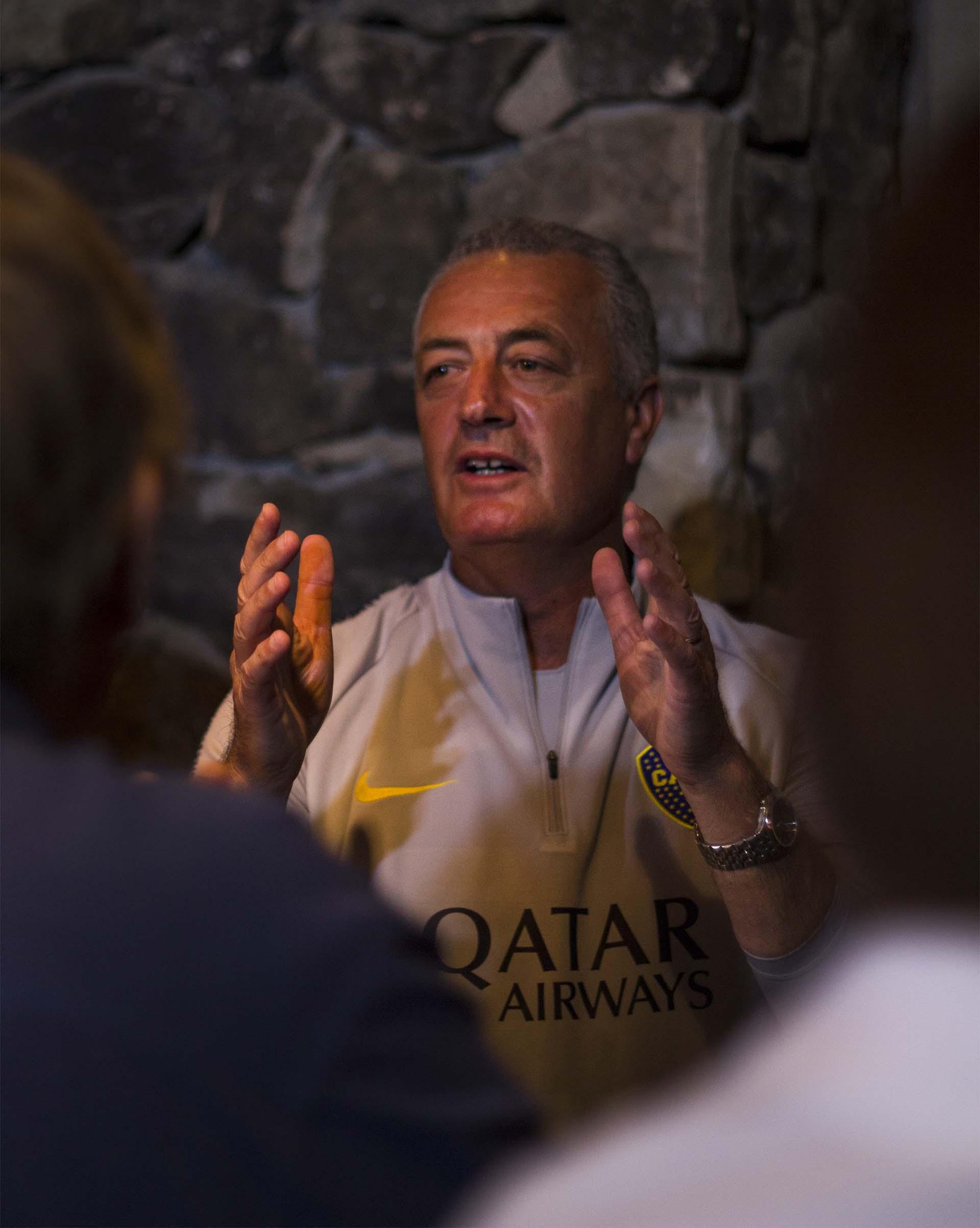 """El entrenador """"xeneize"""" prioriza el arribo de un marcador central zurdo (Alejandro Leiton)"""
