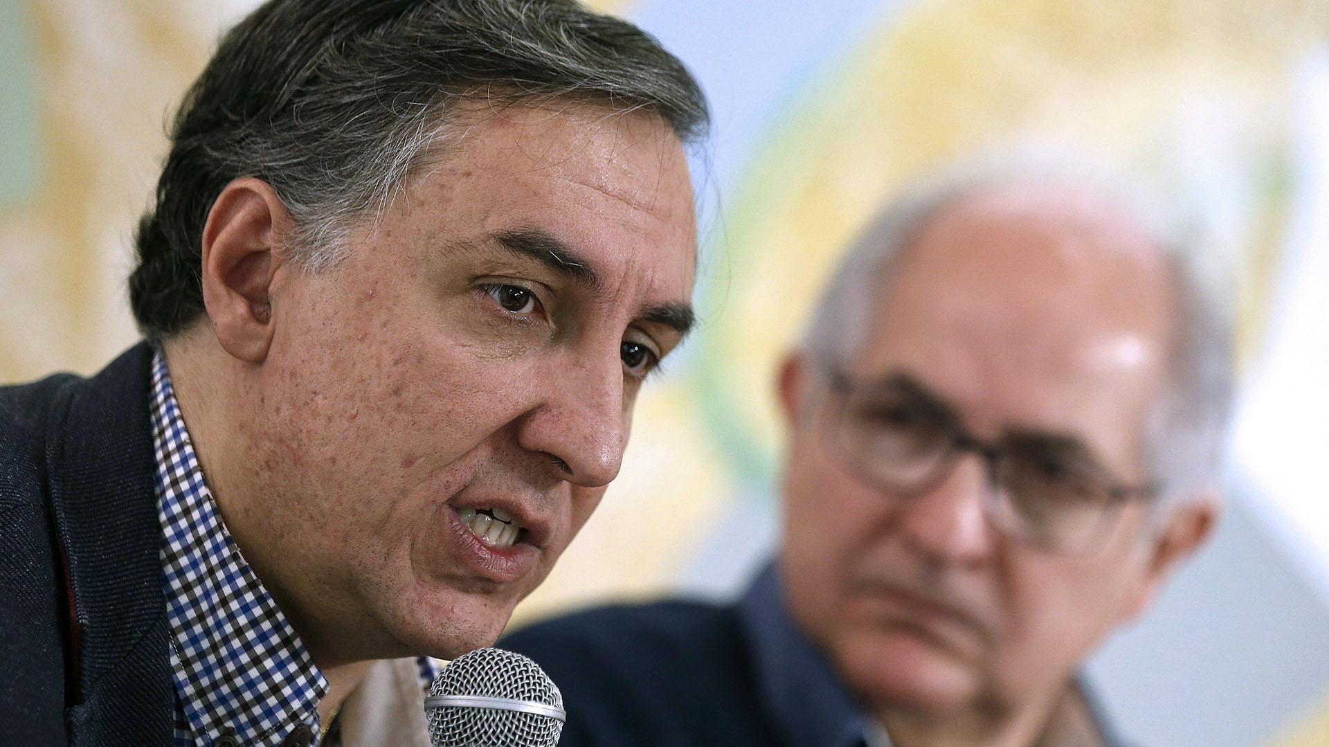 El diputado del PP, José Ramón García Hernández y el ex alcalde de Caracas Antonio Ledezma (EFE)