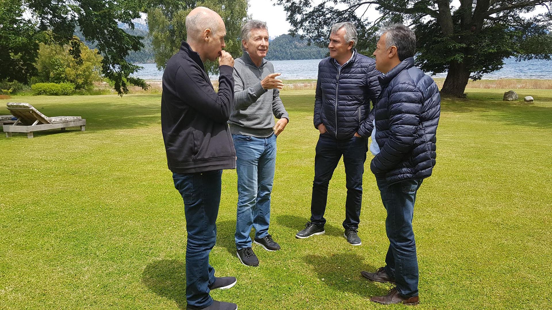 Mauricio Macri junto a Horacio Rodríguez Larreta, Gerardo Morales y Alfredo Cornejo, este viernes en Villa La Angostura (Presidencia)