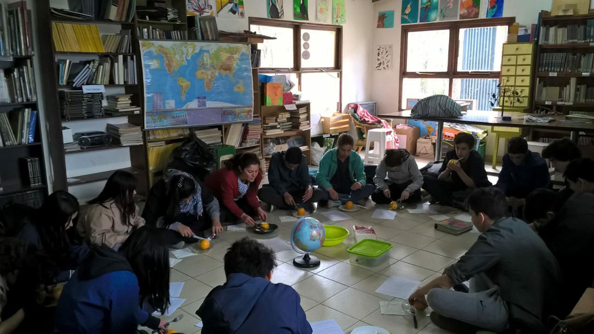 Alumnos del secundario de la Escuela Las Lengas
