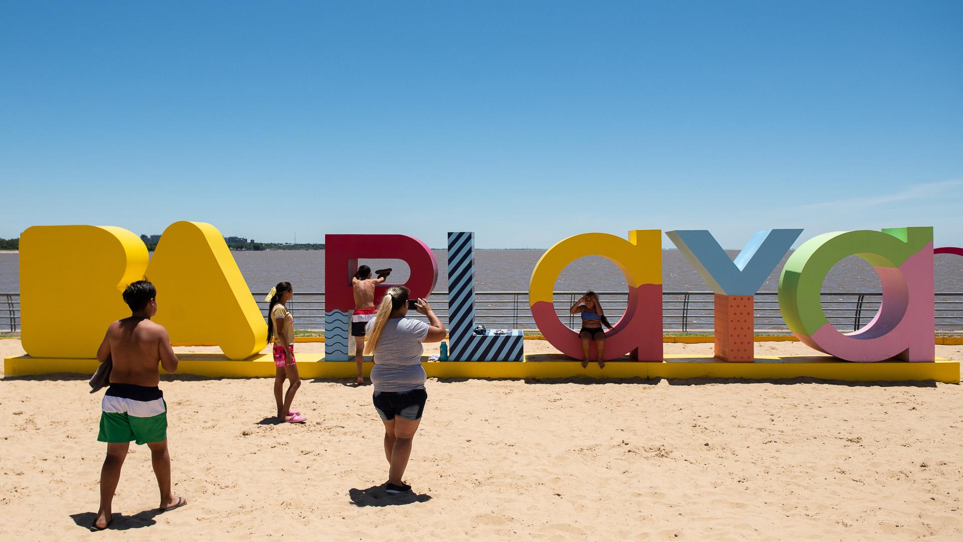 La palestra de Buenos Aires Playa, un lugar ideal para sacarse fotos frente al río