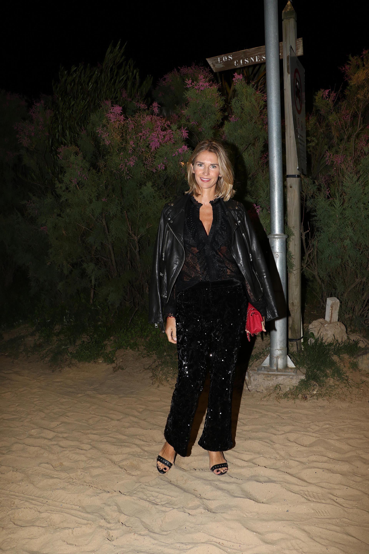 Julieta Spina con blusa negra de encaje y pantalón de paillettes (Foto: Matías Souto)