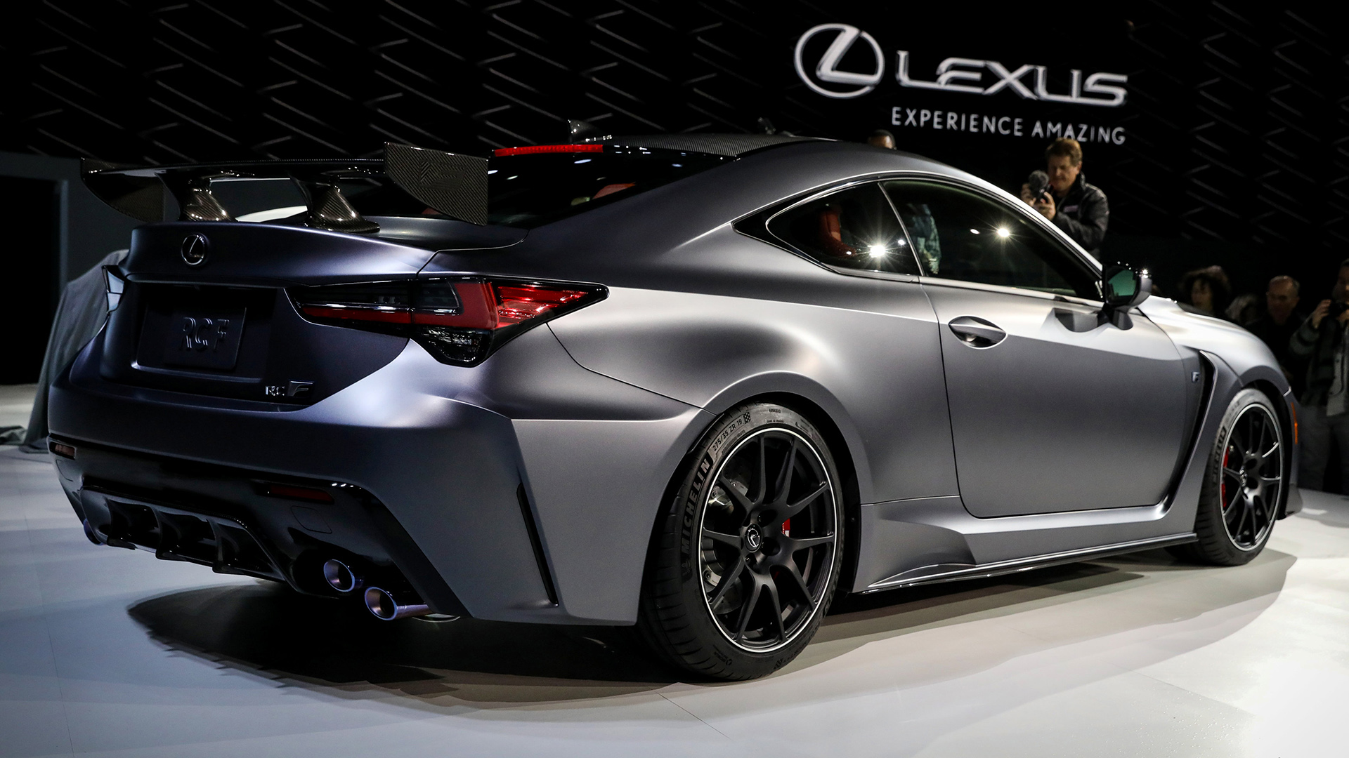 El Lexus 2020 RC F Track Edition se presenta durante un evento en el North American International Auto Show en Detroit, Michigan. (Reuters)