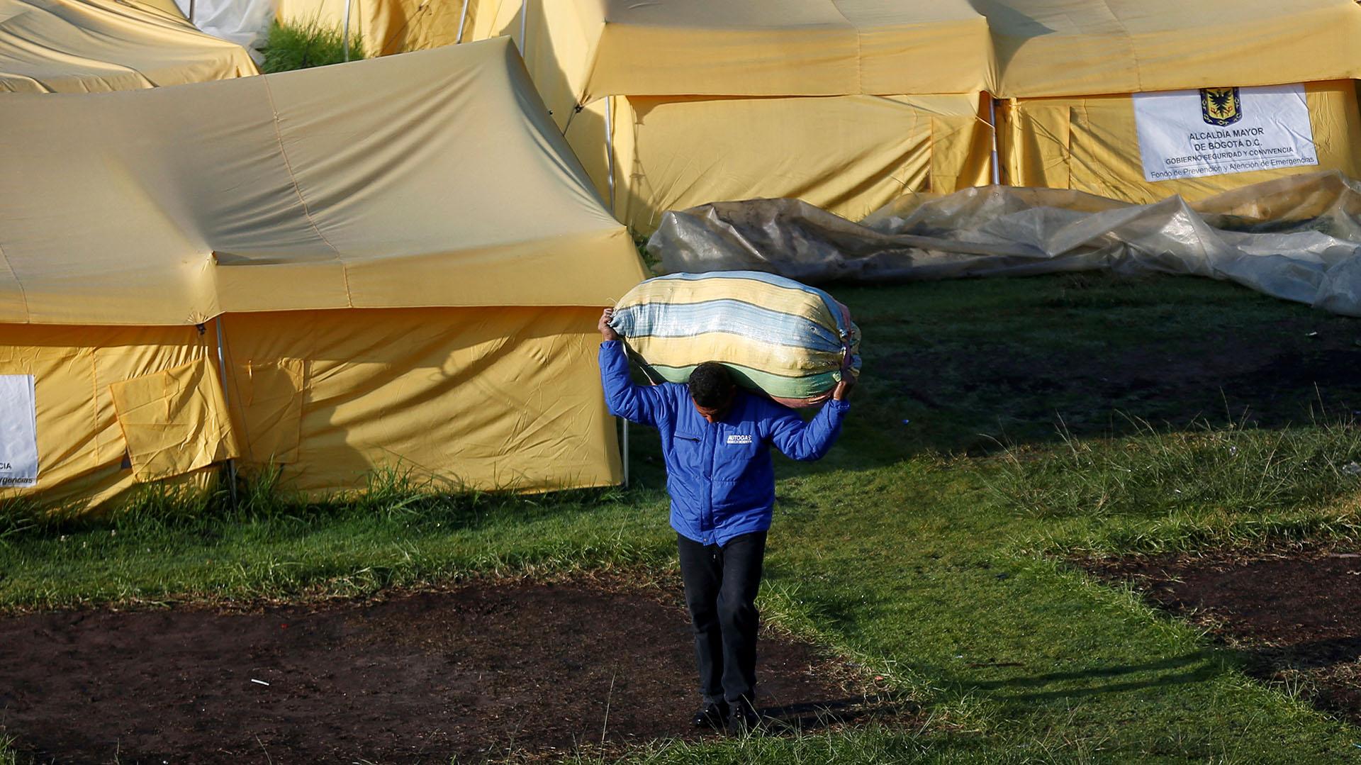 Los migrantes que habitaban en el campamento provenían de un asentamiento ilegal cerca a la terminal de transportes de Bogotá (REUTERS/Luisa Gonzalez)