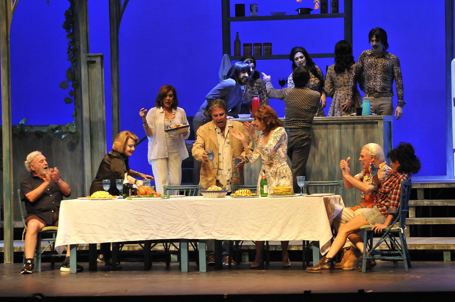 """El musical """"¡Viva la vida!"""" es protagonizado porNora Cárpena, Rodolfo Ranni, Mercedes Carreras, Alberto Martín, Marta Bianchi y Jorge Martínez (Teleshow)"""