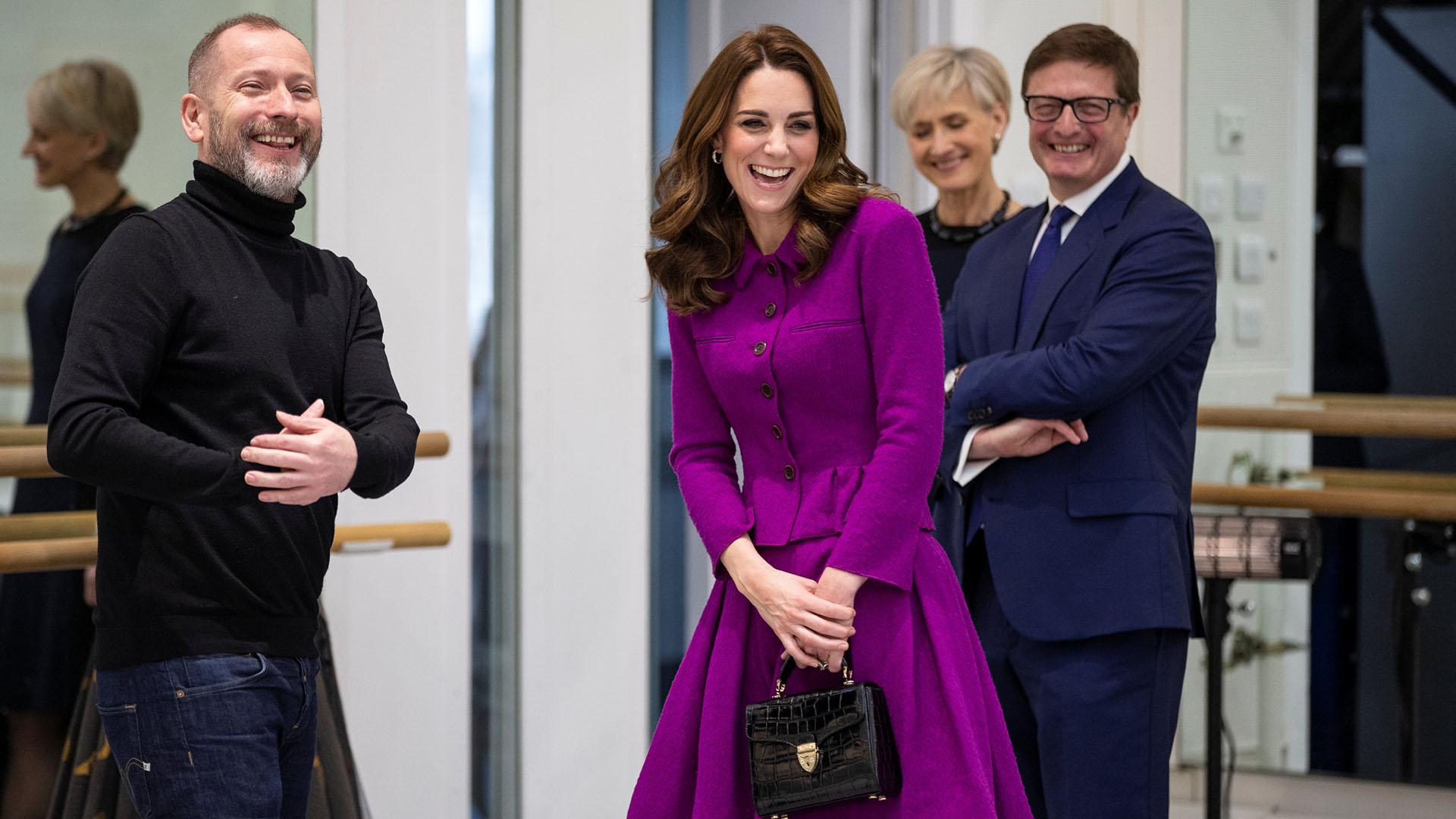 Catalina de Cambridge a su llegada a la Royal Opera House, en Londres, donde visitó el gran departamento de costura