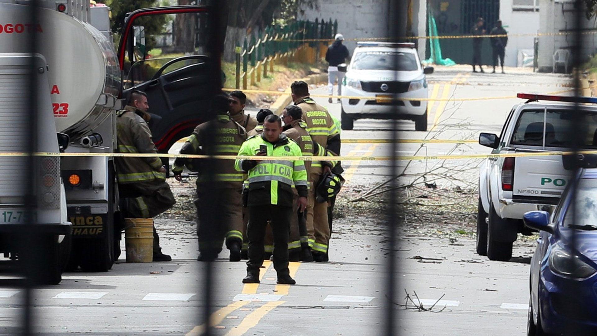 Al menos20 muertos y decenas de heridos dejó la detonación de un coche bomba en inmediaciones de la Escuela de cadetes de la Policía General Santander, ubicada al sur de Bogotá, la mañana de este jueves (EFE)