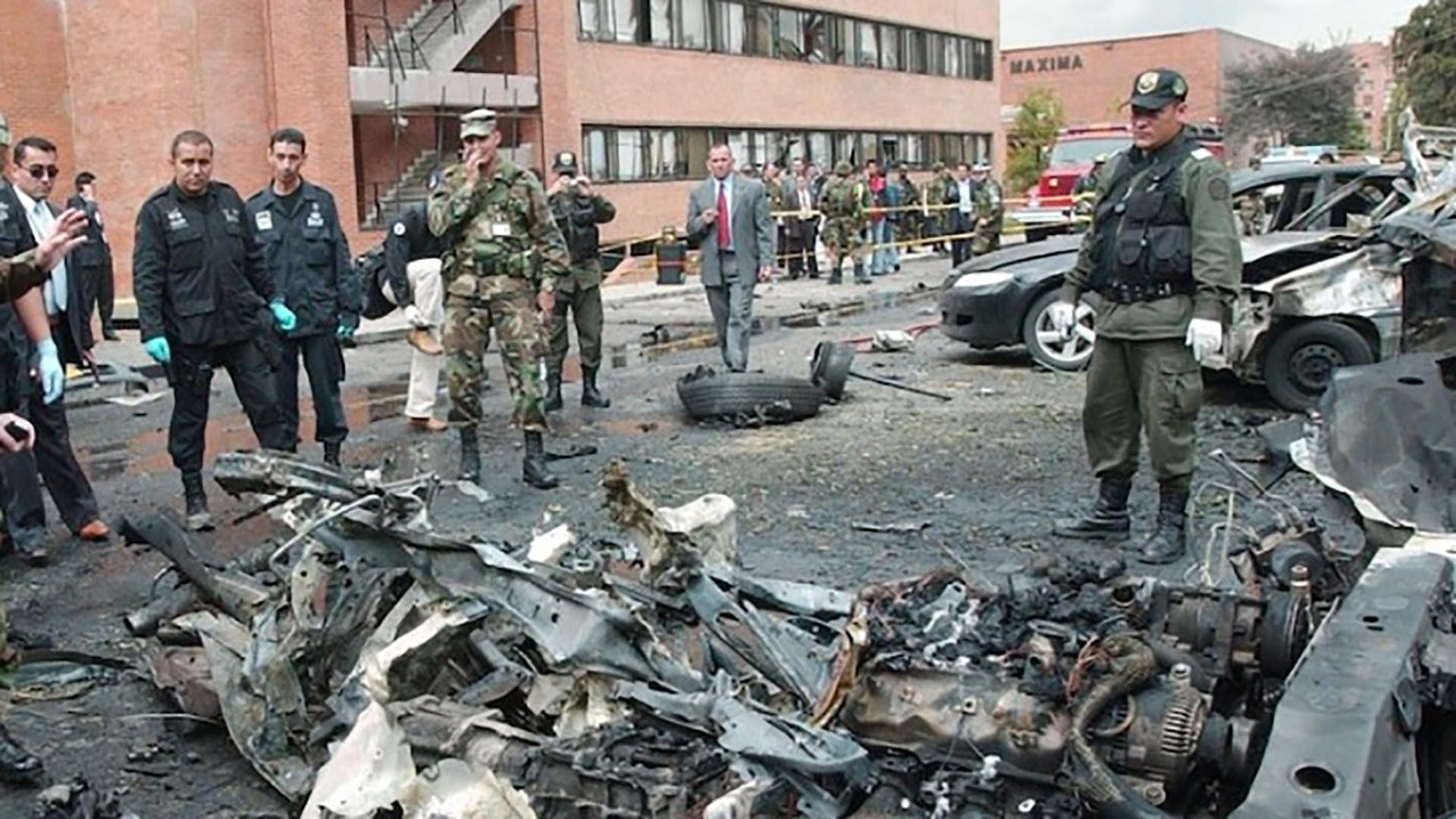 El carro comba con 80 kilos de explosivo de pentolita dejó 22 muertos, entre ellos el terrorista que ingresó el vehículo a la escuela policial de Bogotá.