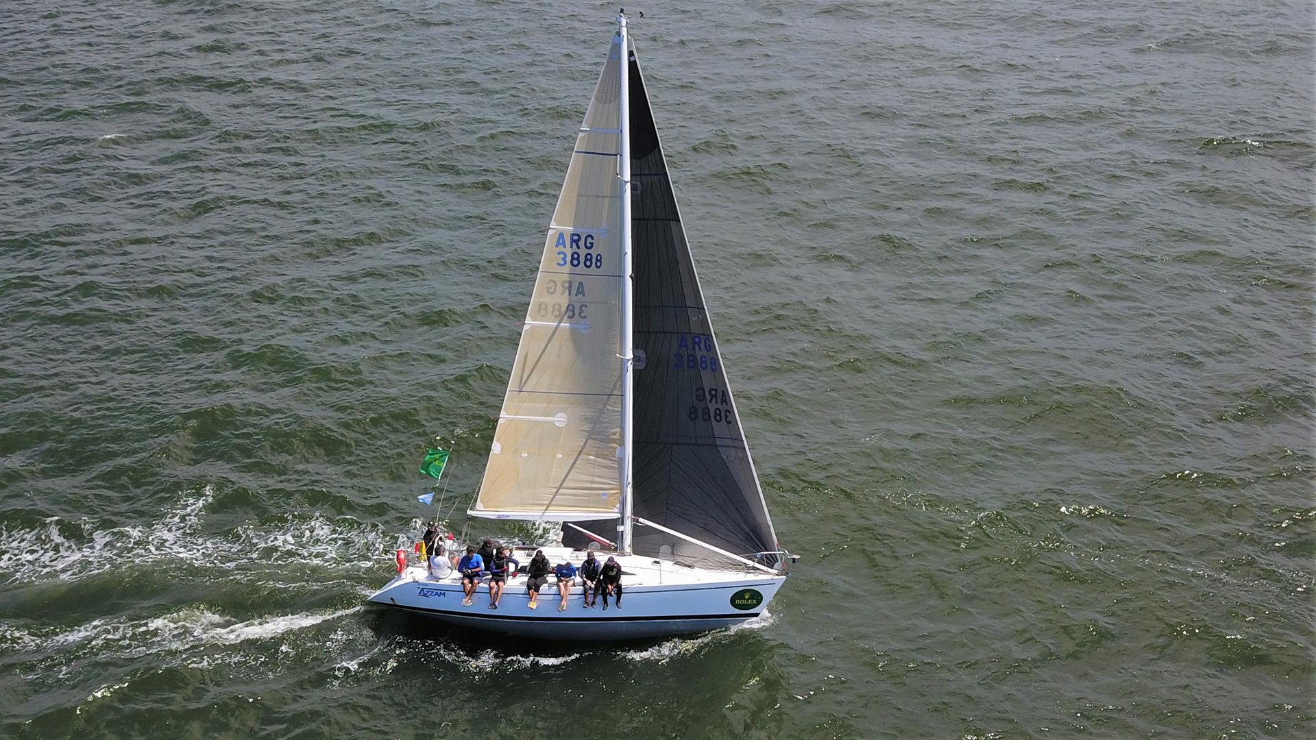 Las regatas se desarrollaron frente a la playa Mansa de la península de Punta del Este. Significó un espectáctulo único para los bañistas de estas costas