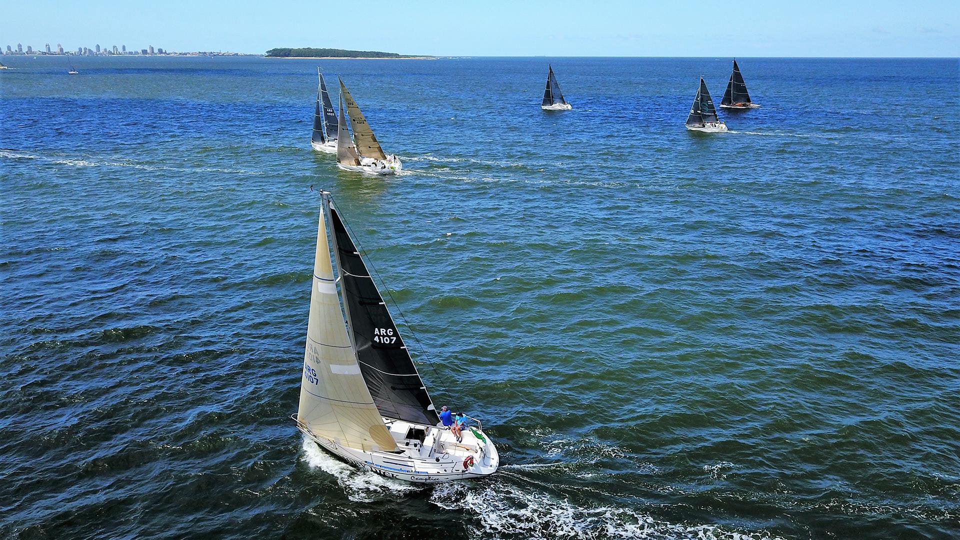 El número de inscriptos llegó a 78 barcos repartidos entre las fórmulas ORC Internacional, ORC Club, IRC y Clase J70. Hay embarcaciones de cinco países diferentes: barcos uruguayos, argentinos, brasileños, una tripulación australiana y una tripulación estadounidense