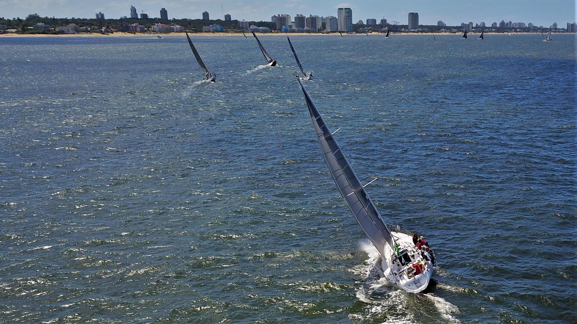 El Circuito Rolex Atlántico Sur es organizado conjuntamente por Yacht Club Argentino y Yacht Club Punta del Este desde hace varios años