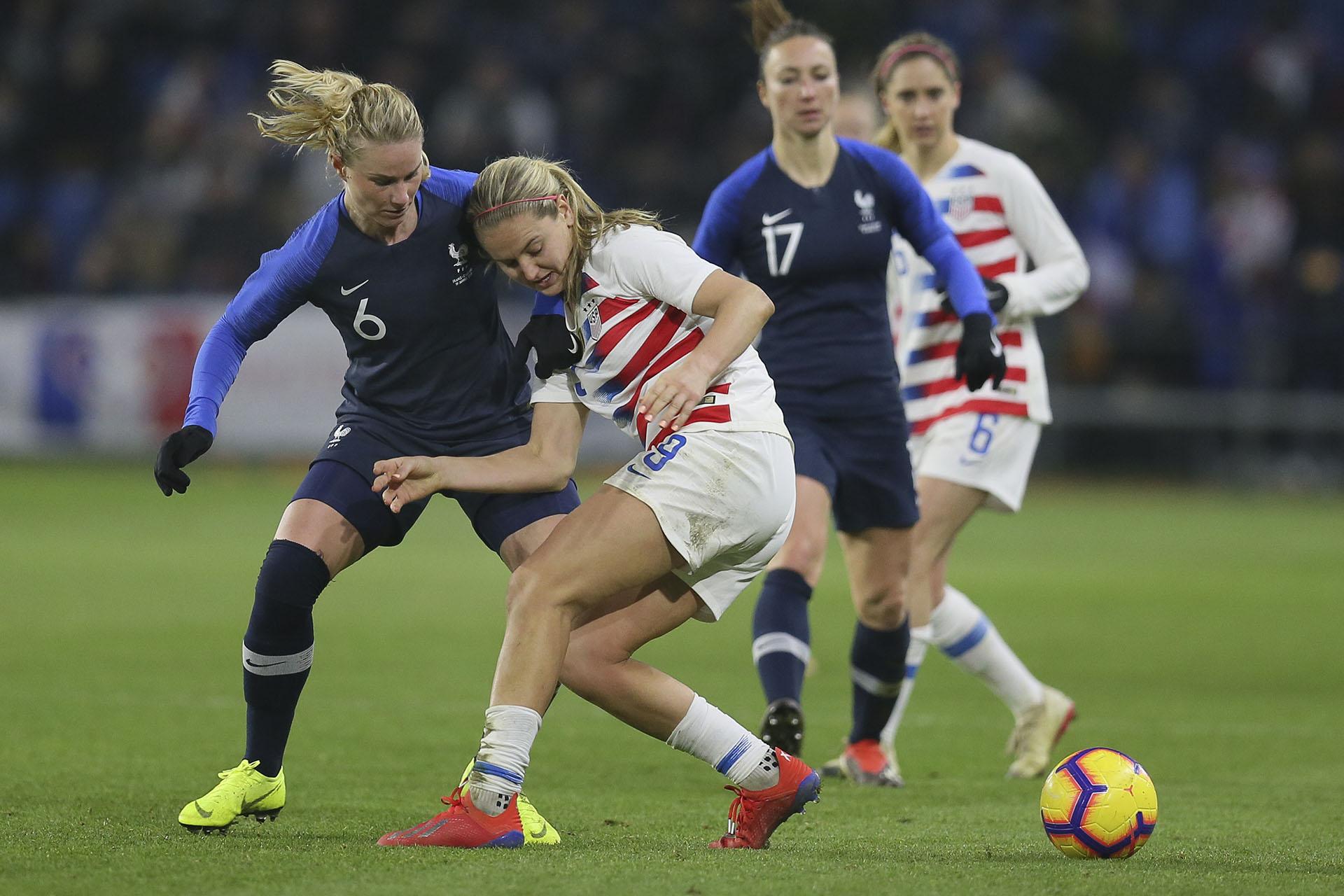 Kadidiatou Diani, en dos ocasiones, y Marie-Antoinette Katoto marcaron los goles de Francia (AP)