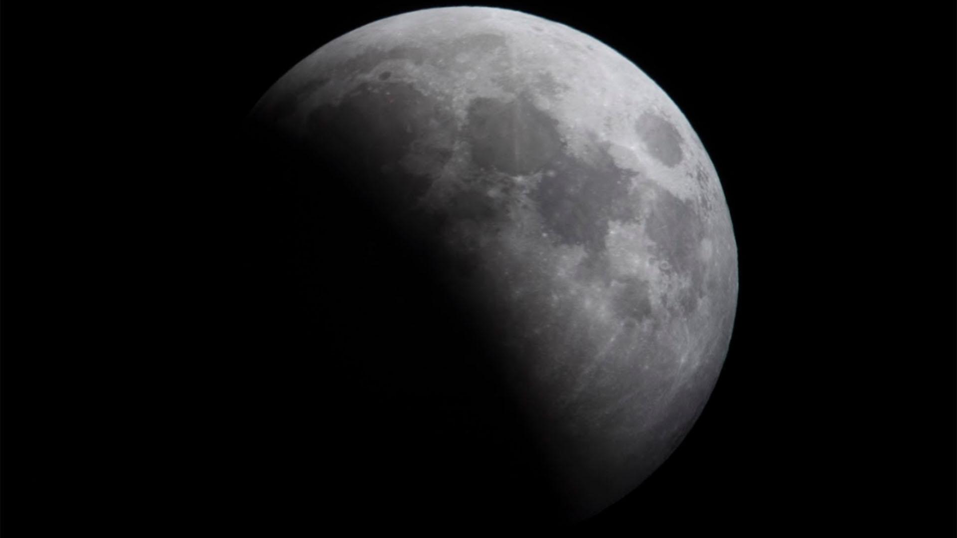 La Luna podría ser el escenario de futuras conflictos internacionales (Gillermo Llamos)