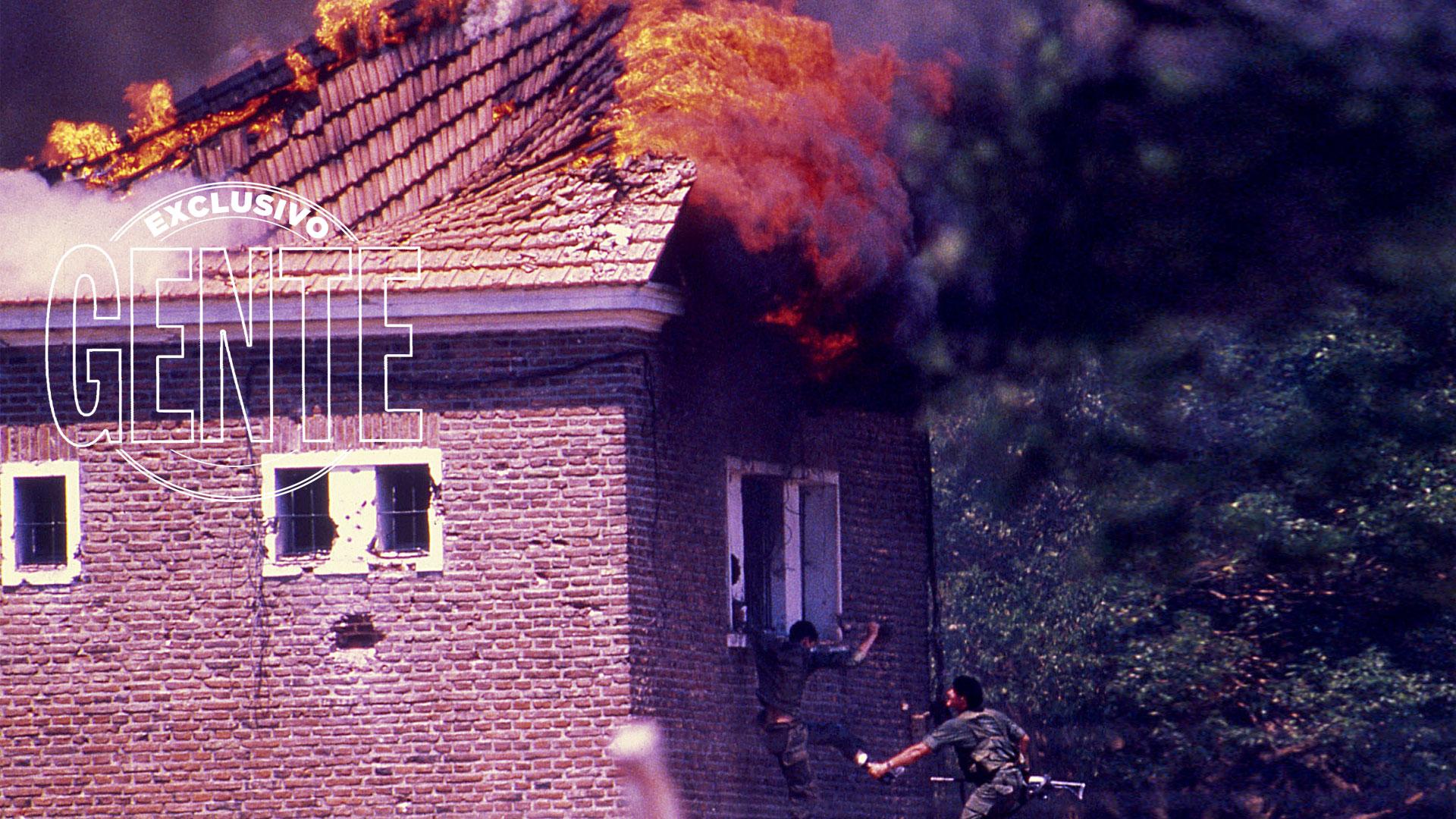 Los edificios del Regimiento tenían techos de madera a dos aguas. Por eso, ante las explosiones, ardieron de inmediato. Había que escapar de cualquier manera del fuego.