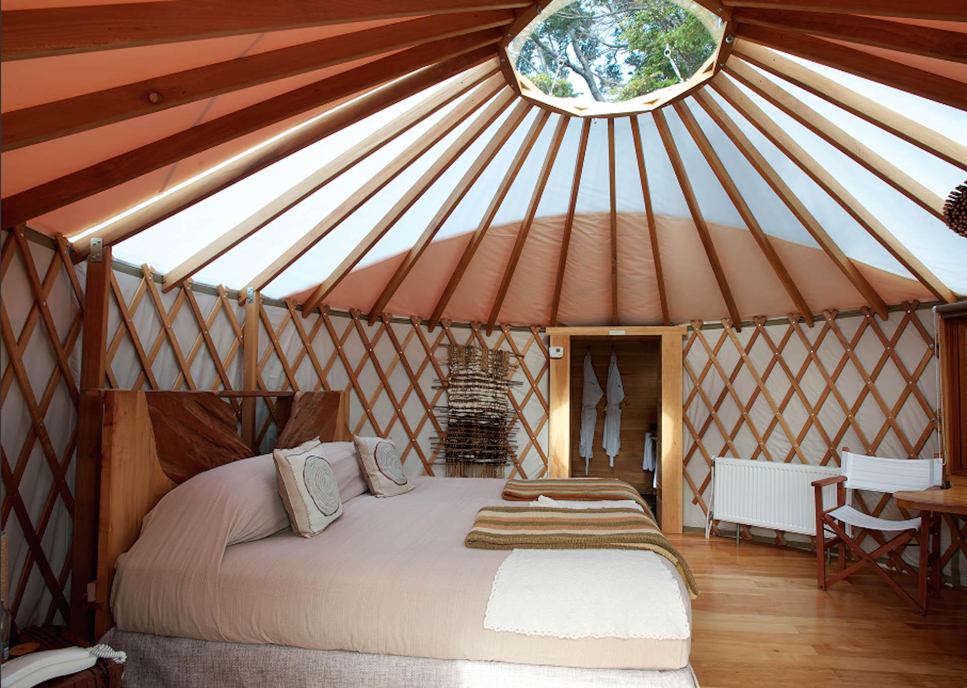 """La vista del cielo es un requisito clave a la hora de """"glampear"""". Desde techos corredizos a miniobservatorios incorporados (Patagonia Camp)"""