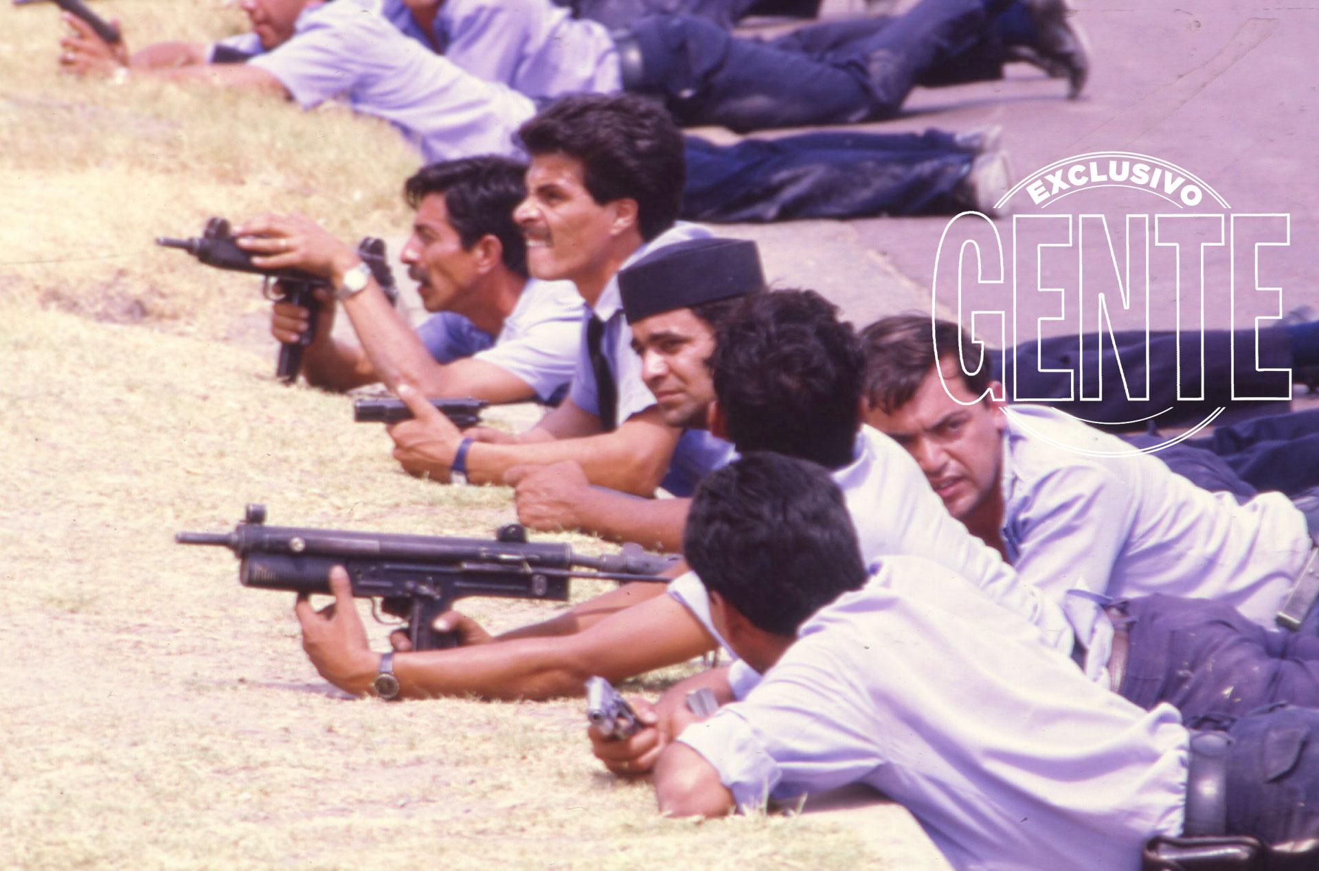 A las ocho de la mañana, ya un centenar de efectivos de Policía provincial rodeaban el perímetro del cuartel.