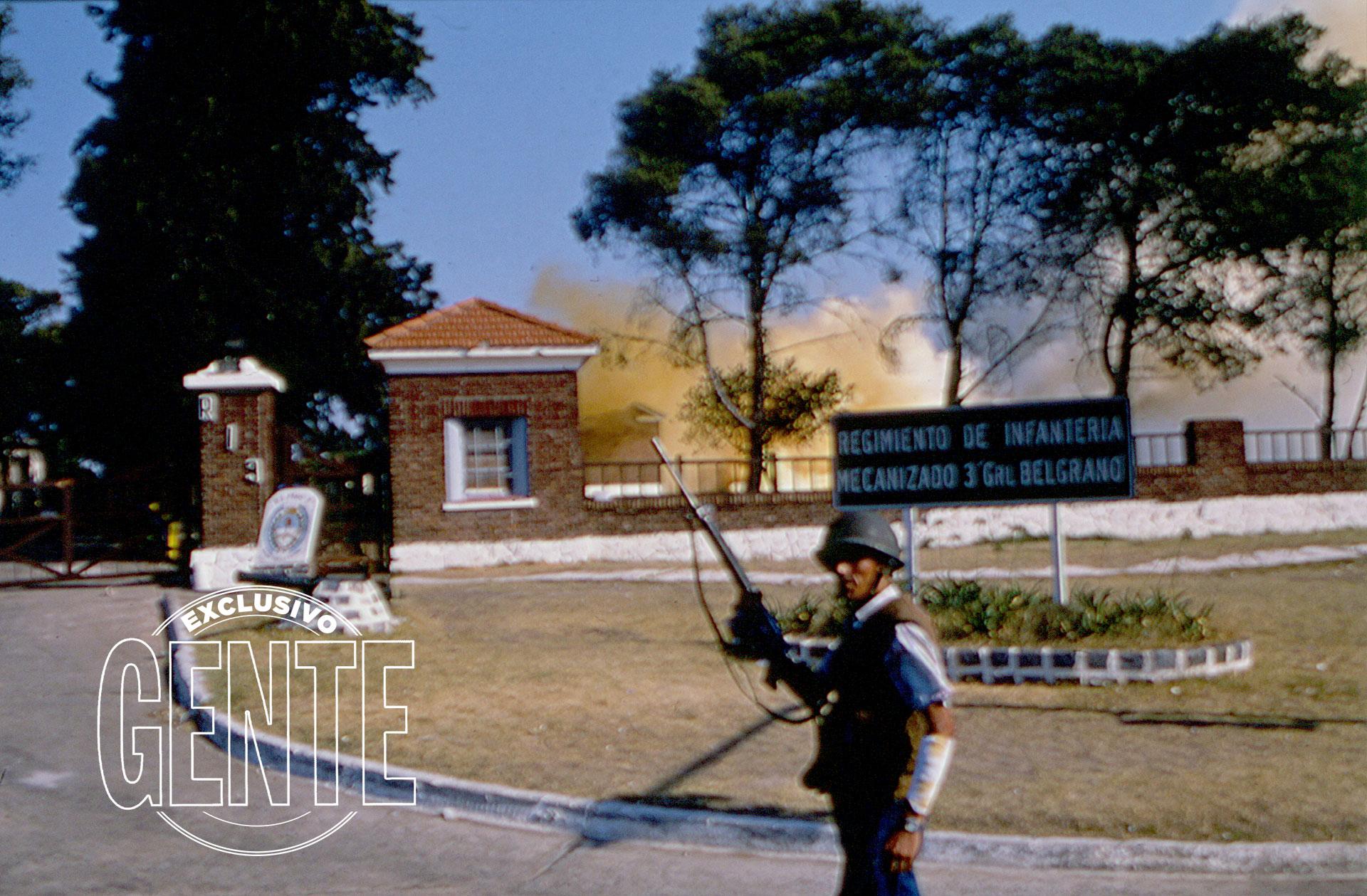 Bien entrada la calurosa tarde del lunes 23, los bombardeos circunscribieron la lucha a los alrededores de los pabellones. Afuera se vivía una pausa de tensa tranquilidad.
