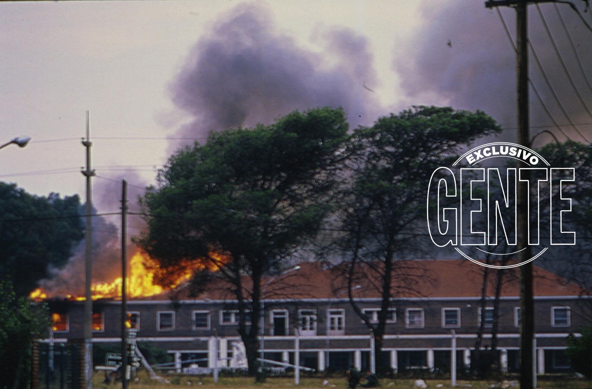 Cuando los guerrilleros ingresaron a la Compañía de Servicios del cuartel coparon la sala de armas y se hicieron con fusiles, MAG y MAP.