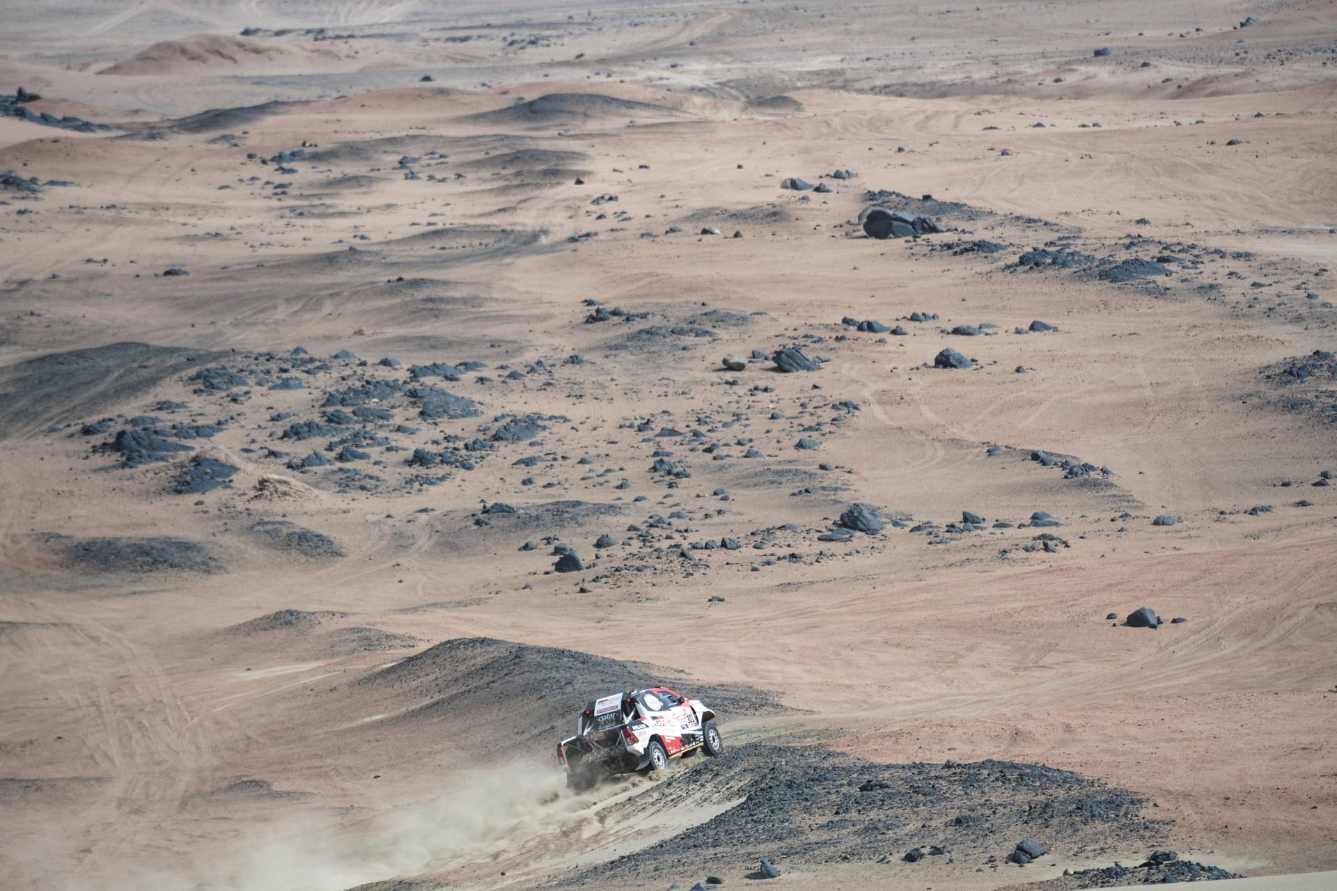 Nasser Al-Attiyah (QAT) de Toyota Gazoo Racing SA compite en la etapa 08 del Rally Dakar 2019 desde San Juan de Marcona a Pisco, Perú, el 15 de enero de 2019.