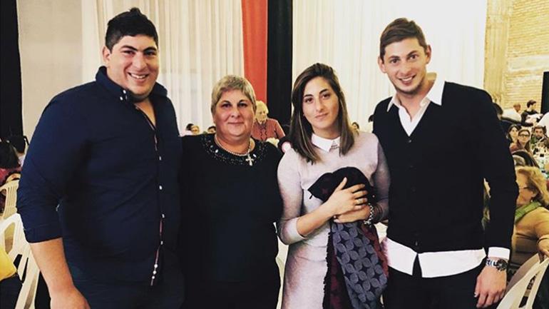 """""""Estoy perdiendo las esperanzas"""", dijo el padre de Sala, e informó que su familia viajará a Europa por la tragedia"""