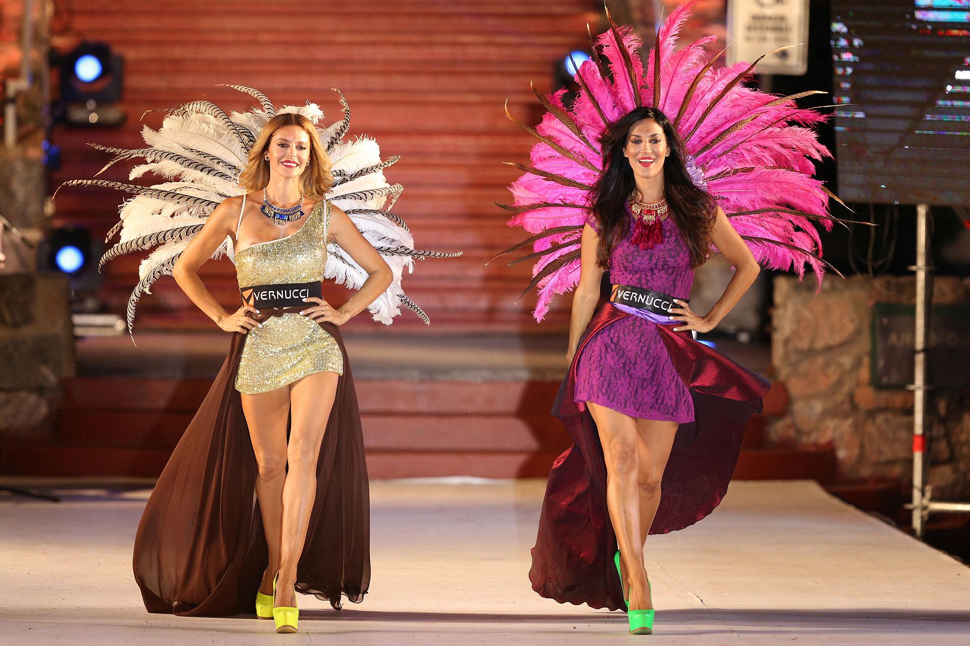 Vanina y Silvina Escudero brillaron en el desfile de Werniczka en Córdoba (Mario Sar)
