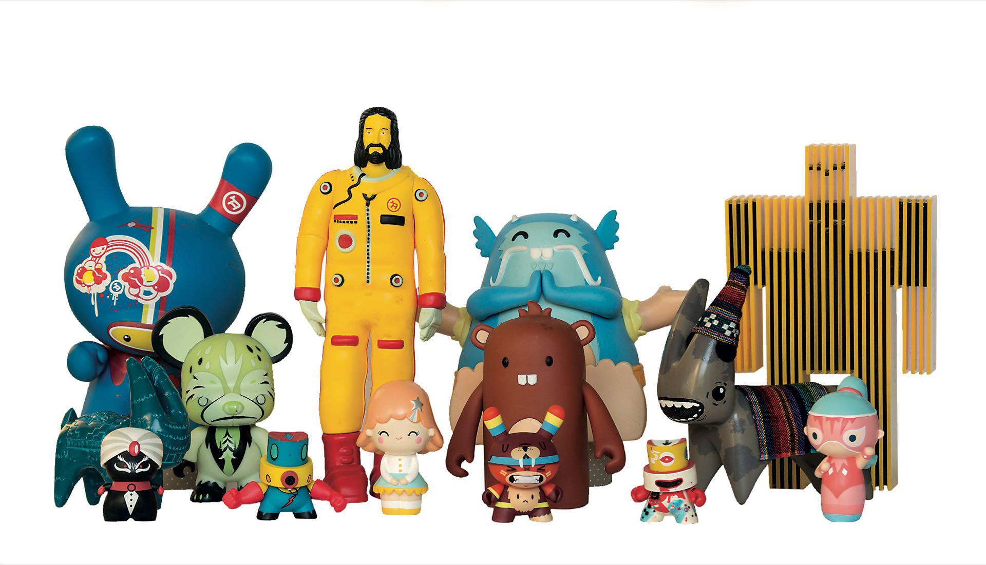 El juguete rabioso es una muestra divertida y original en la que los ositos depeluche son de cemento y los robots de madera. Nada es tierno, todo es un poco perverso.
