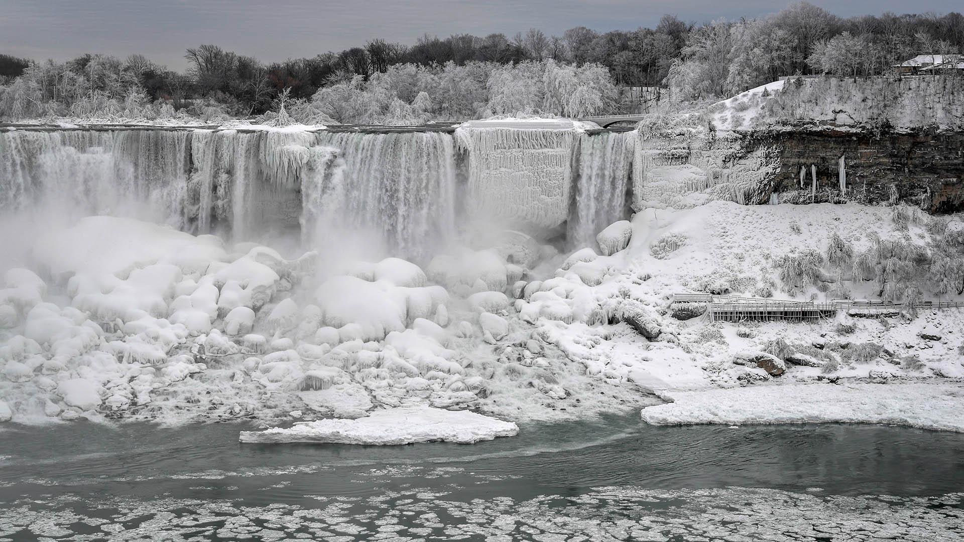 La temperatura en la zona ronda los -5º Celsius, con una sensación térmica aún menor (-11º) y ráfagas de hasta 33 kilómetros por hora