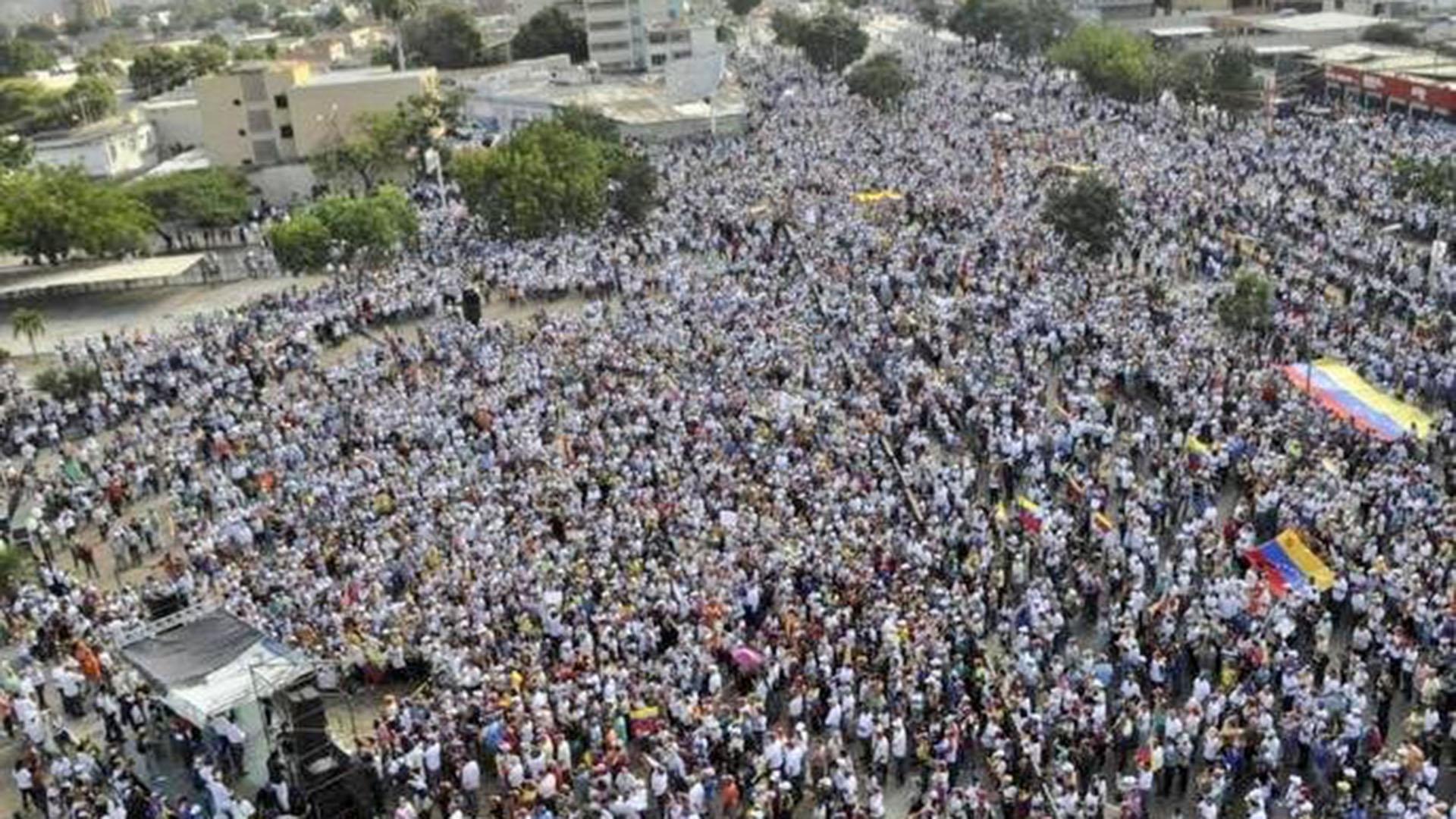 Miles de personas en Barquisimeto