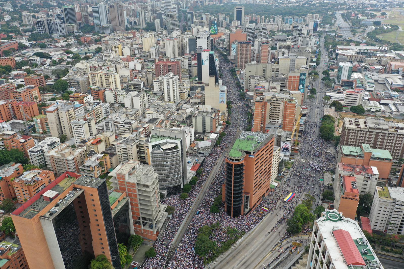 Un drone permite ver la magnitud de la participación de la marcha en la capital