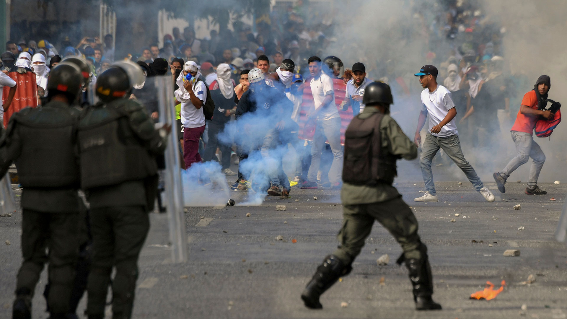 Hay 26 muertos y centenares de detenidos (AFP)