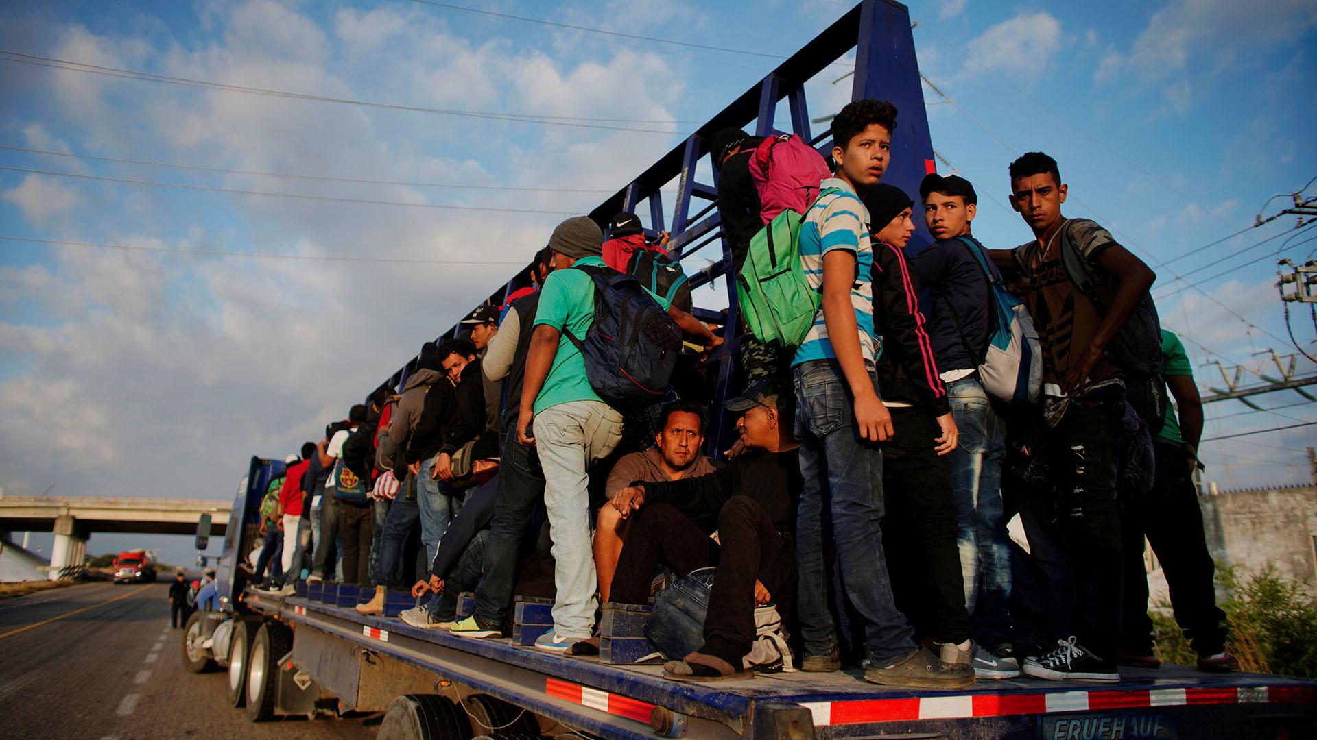 Migrantes en su paso por Tijuana (Foto: REUTERS)
