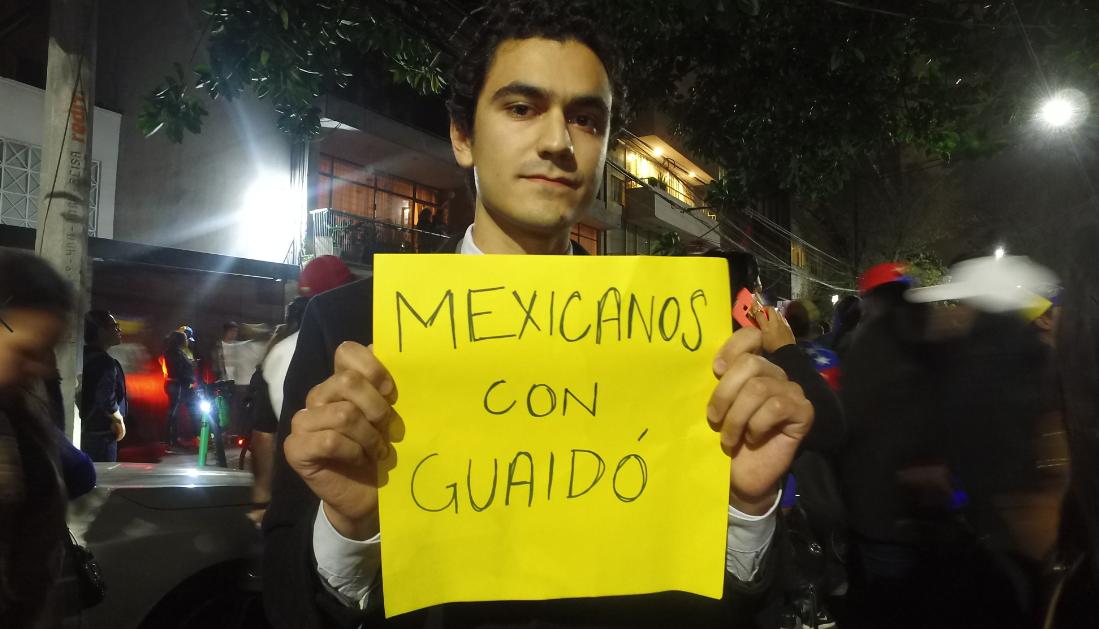 Jorge García, un mexicano que apoya la causa venezolana (Foto: Juan Vicente Manrique)