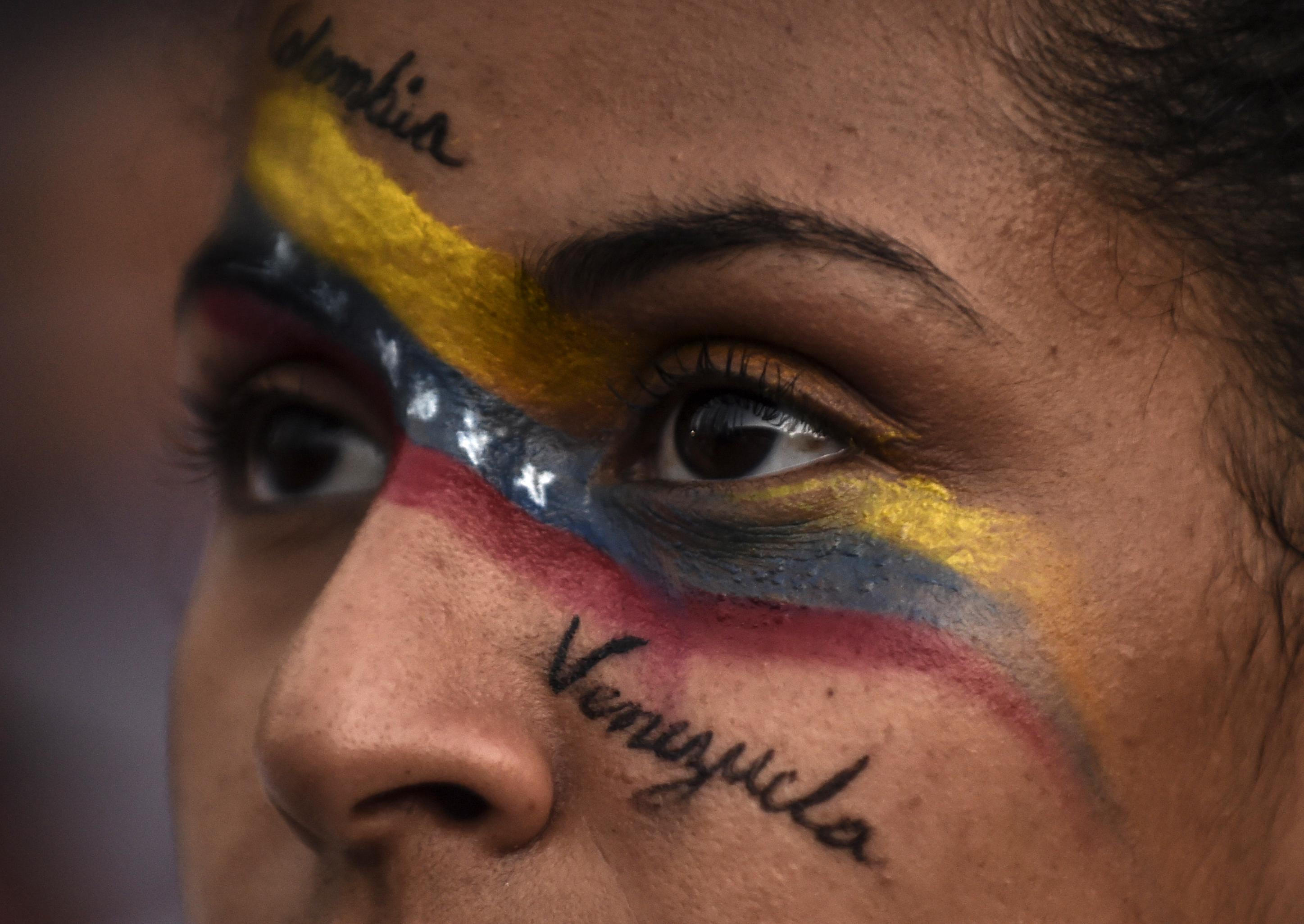 Protestas en Medellín. (Photo by JOAQUIN SARMIENTO / AFP)