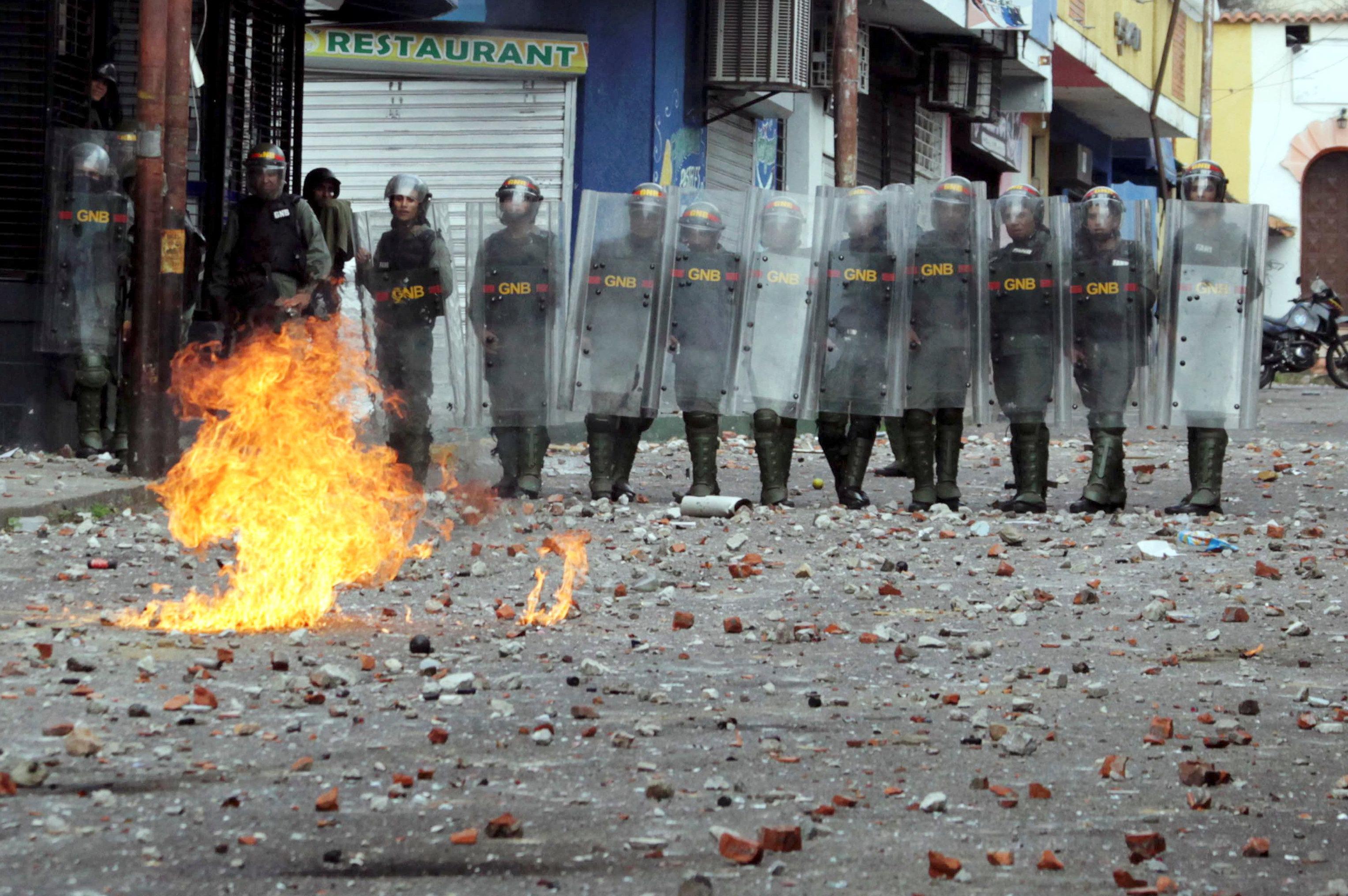 Las fuerzas chavistas en Tachira, Venezuela. (REUTERS/Carlos Eduardo Ramirez)