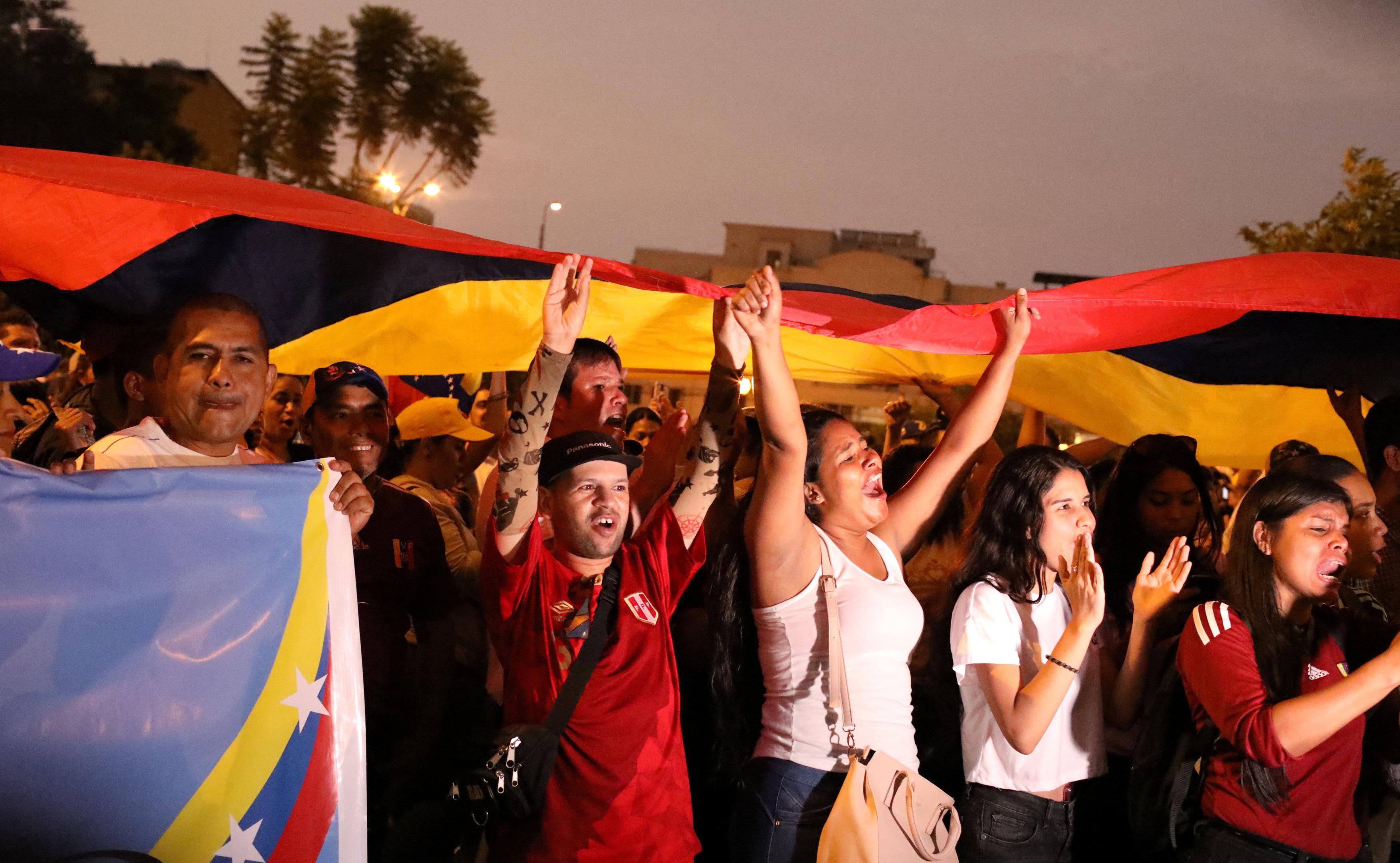 Marchas en Lima, Perú. (REUTERS/Mariana Bazo)