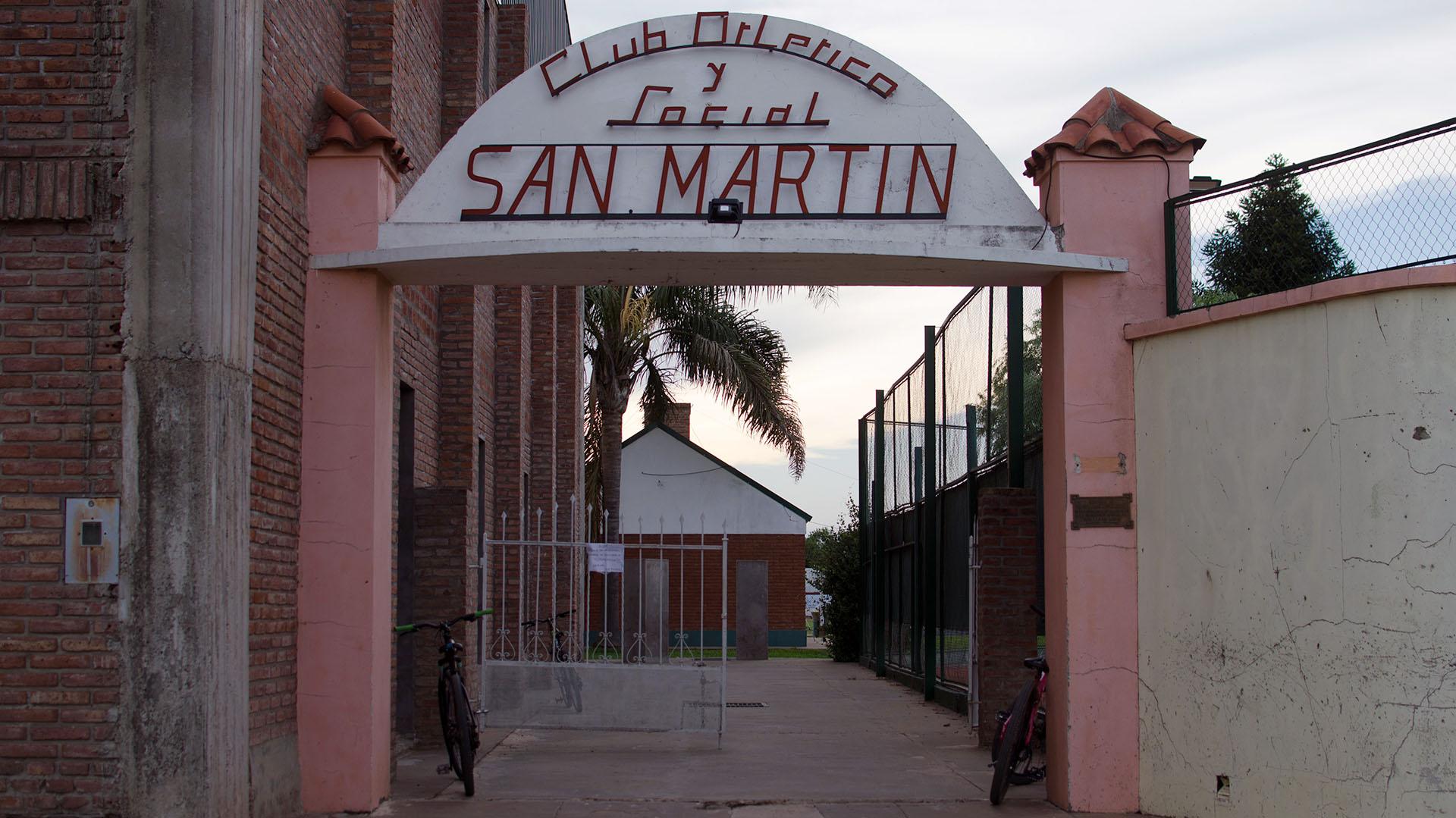 Entrada al club donde se formó Emiliano Sala (Foto: AFP)