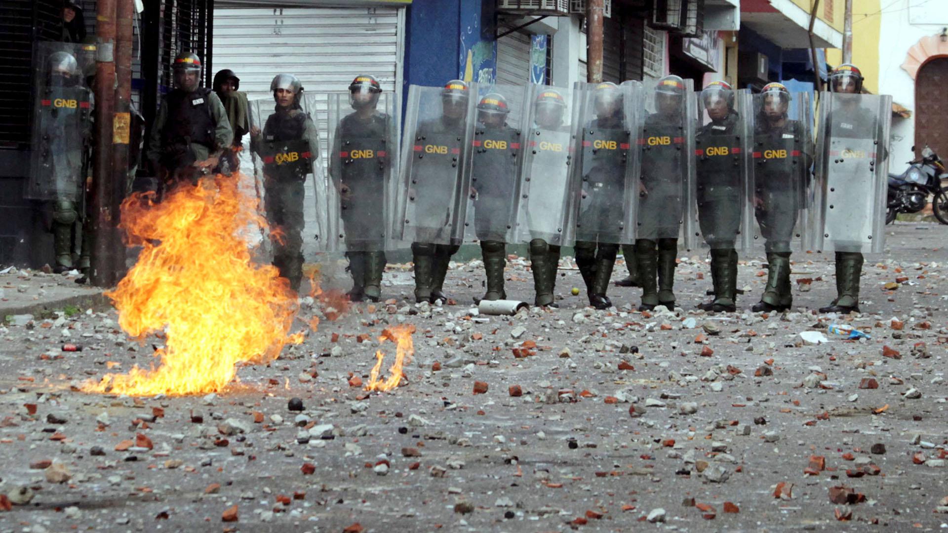 Las autoridades venezolanasa cargo de la represión de las manifestaciones pacíficas