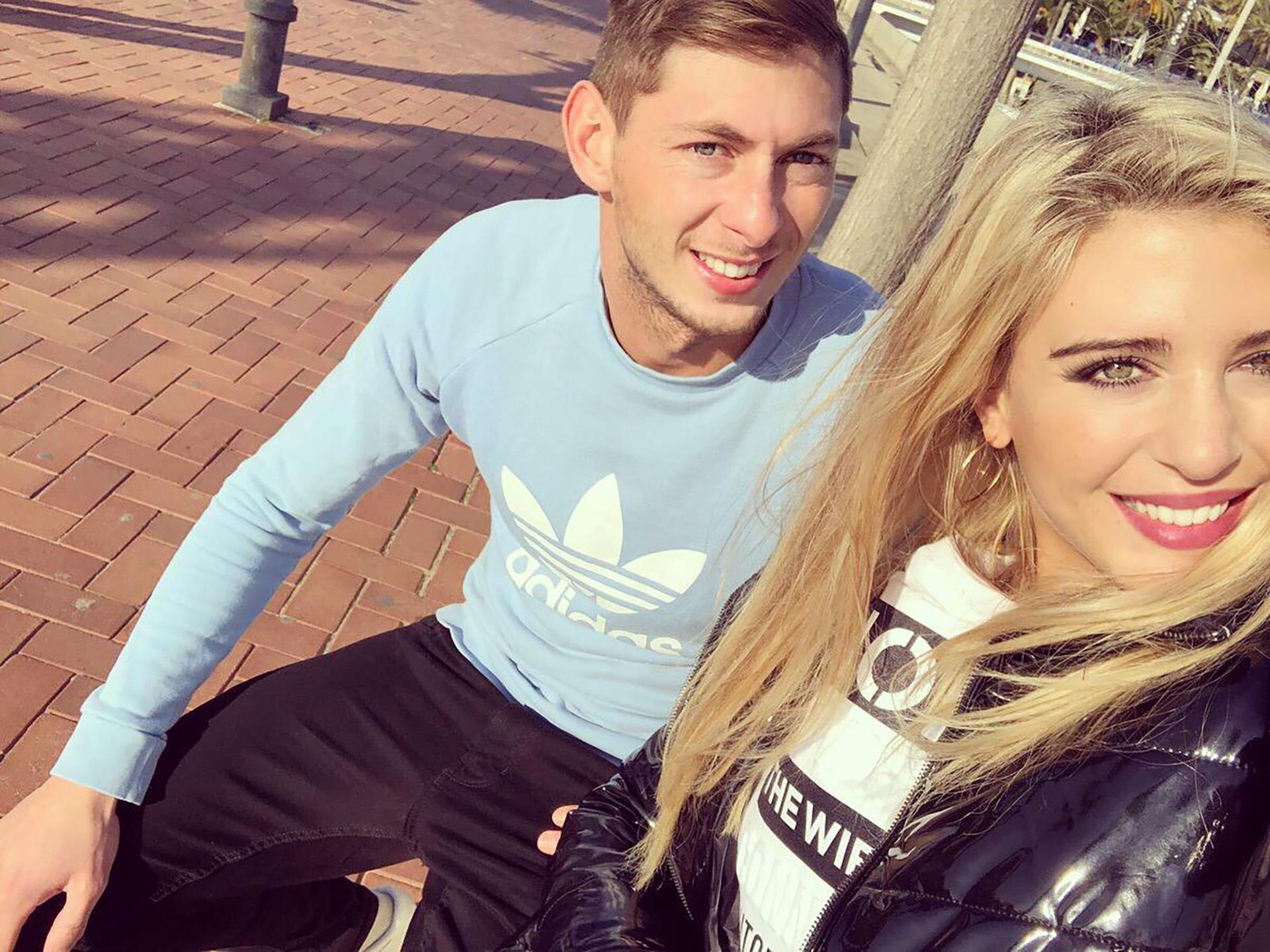 Junto a su novia, en sus vacaciones por Europa