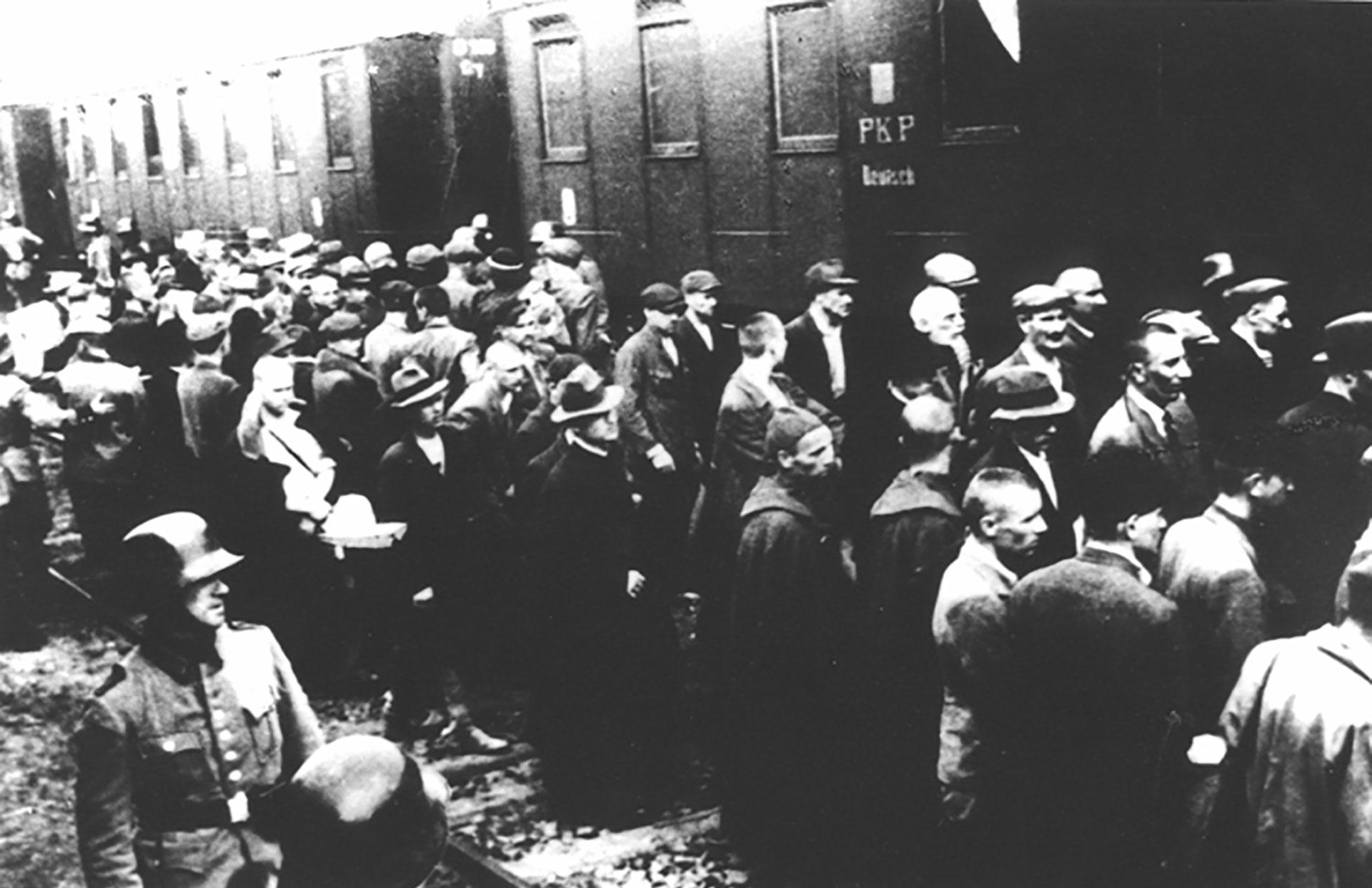 Los primeros prisioneros del campo fueron 728 presos políticos polacos de Tarnów