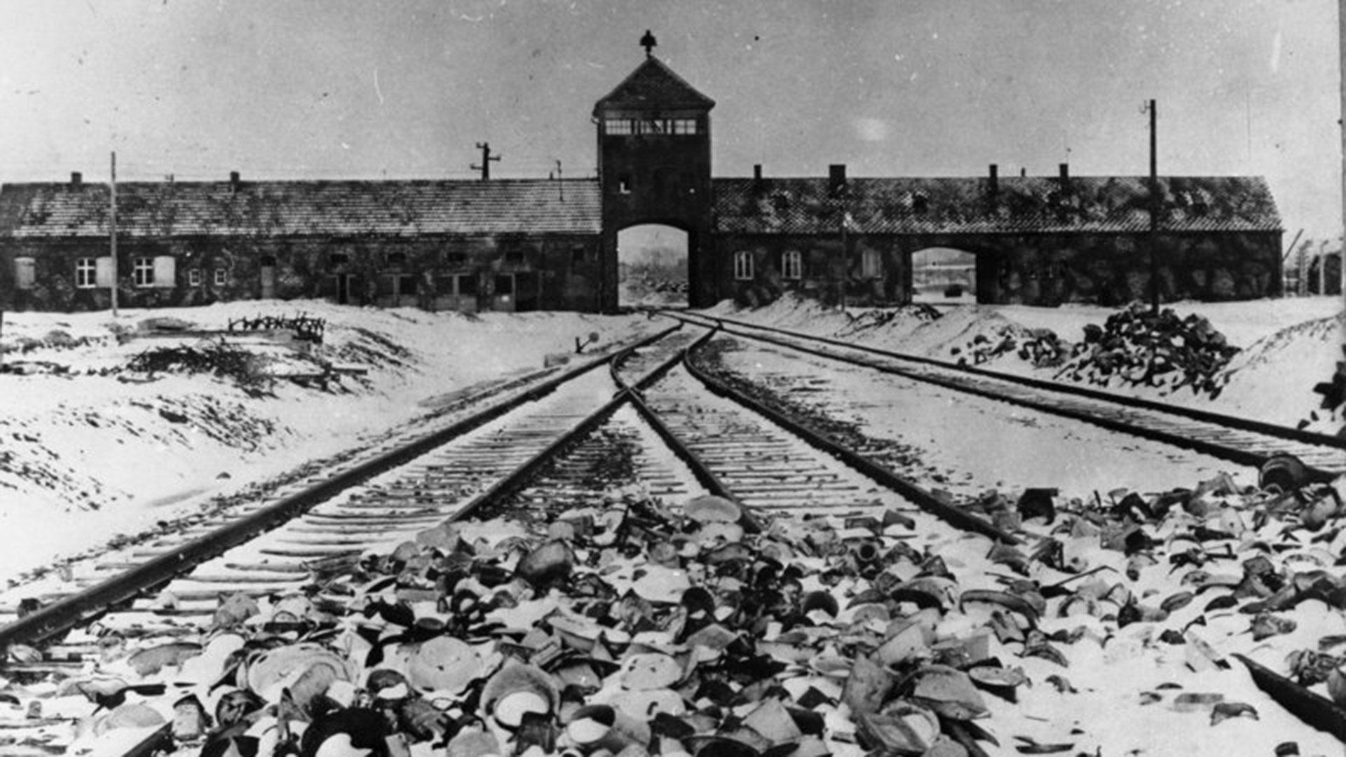 Auschwitz fue un complejo formado por diversos campos de concentración y exterminio de la Alemania nazi