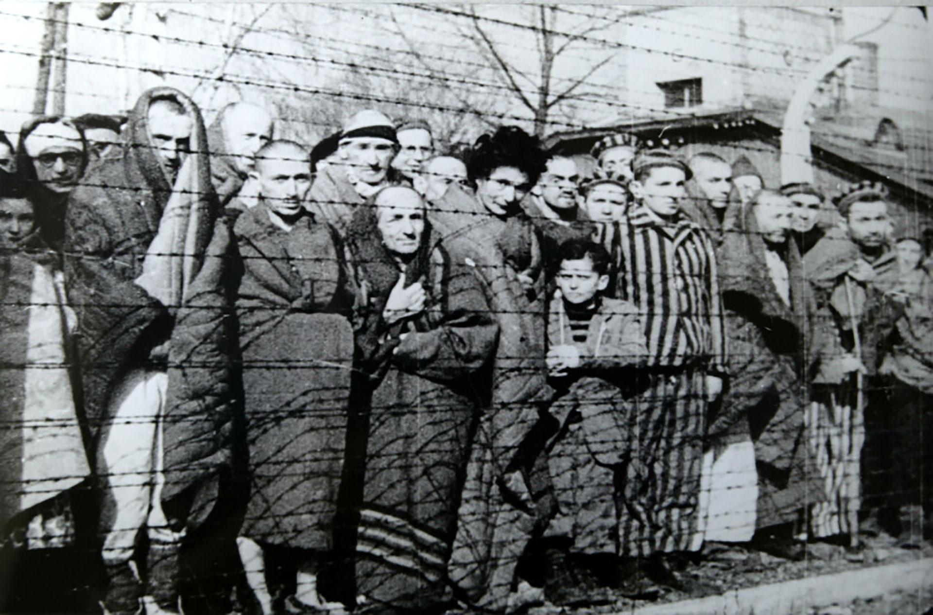 Un grupo de prisioneros de Auschwitz