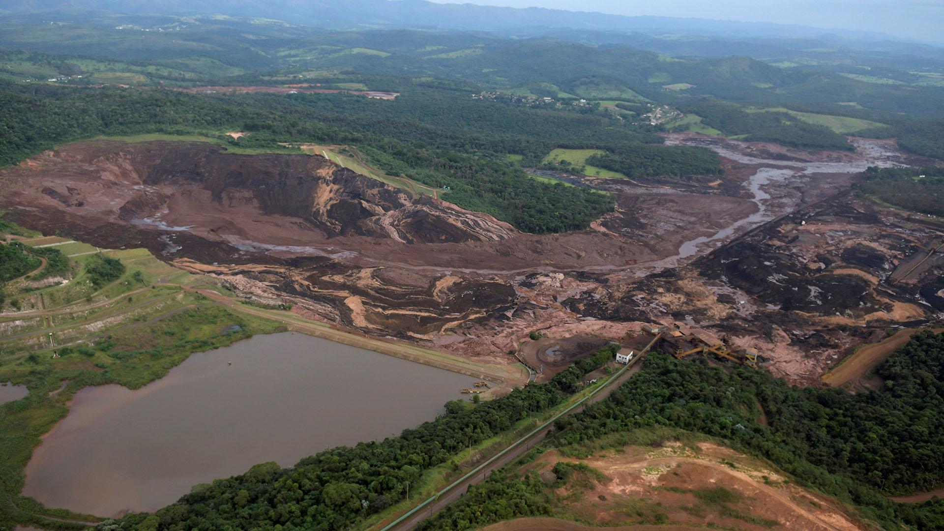 Aumenta a 99 número de muertos por accidente en Brasil