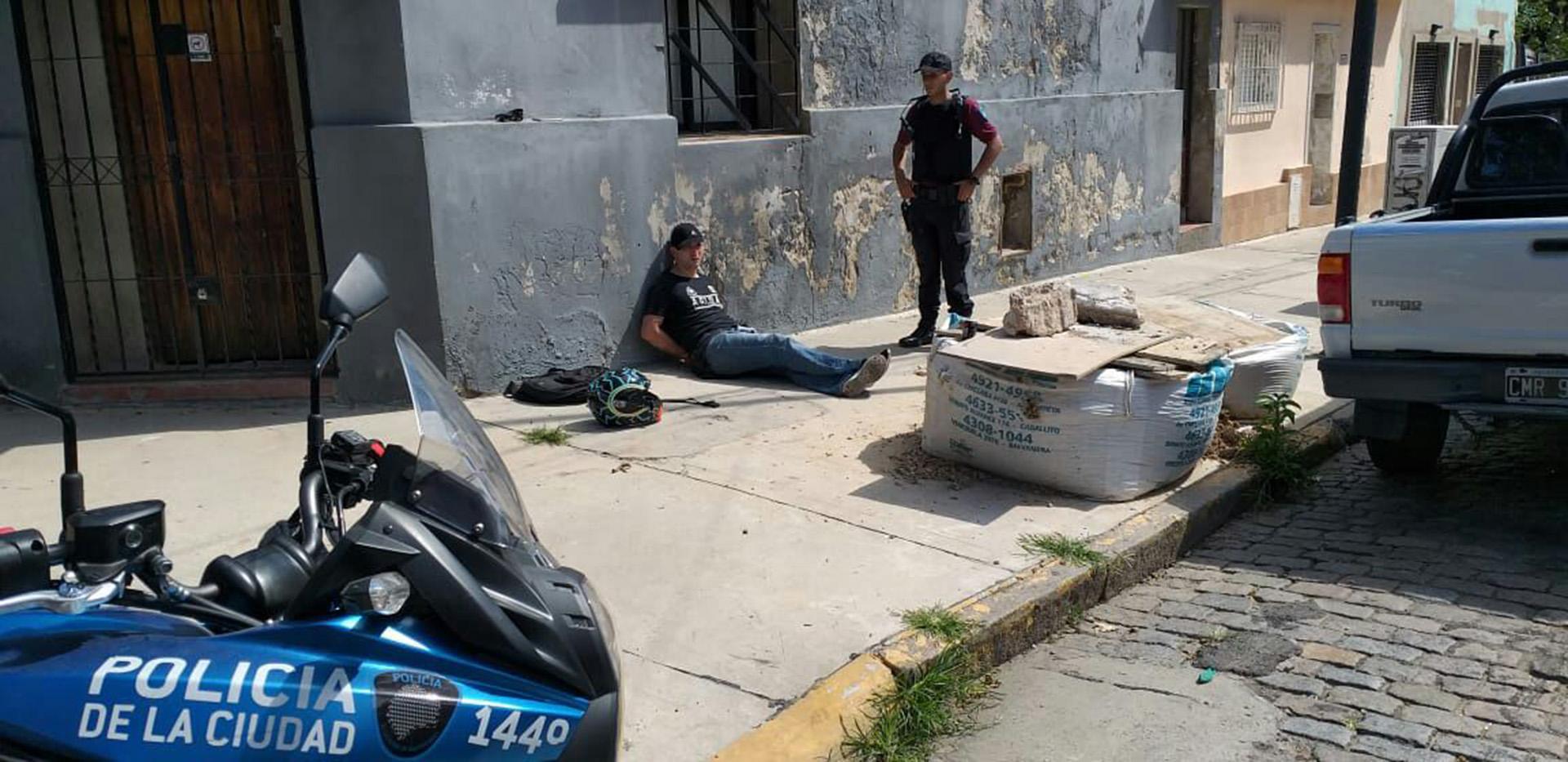 El motochorro colombiano al momento de ser detenido