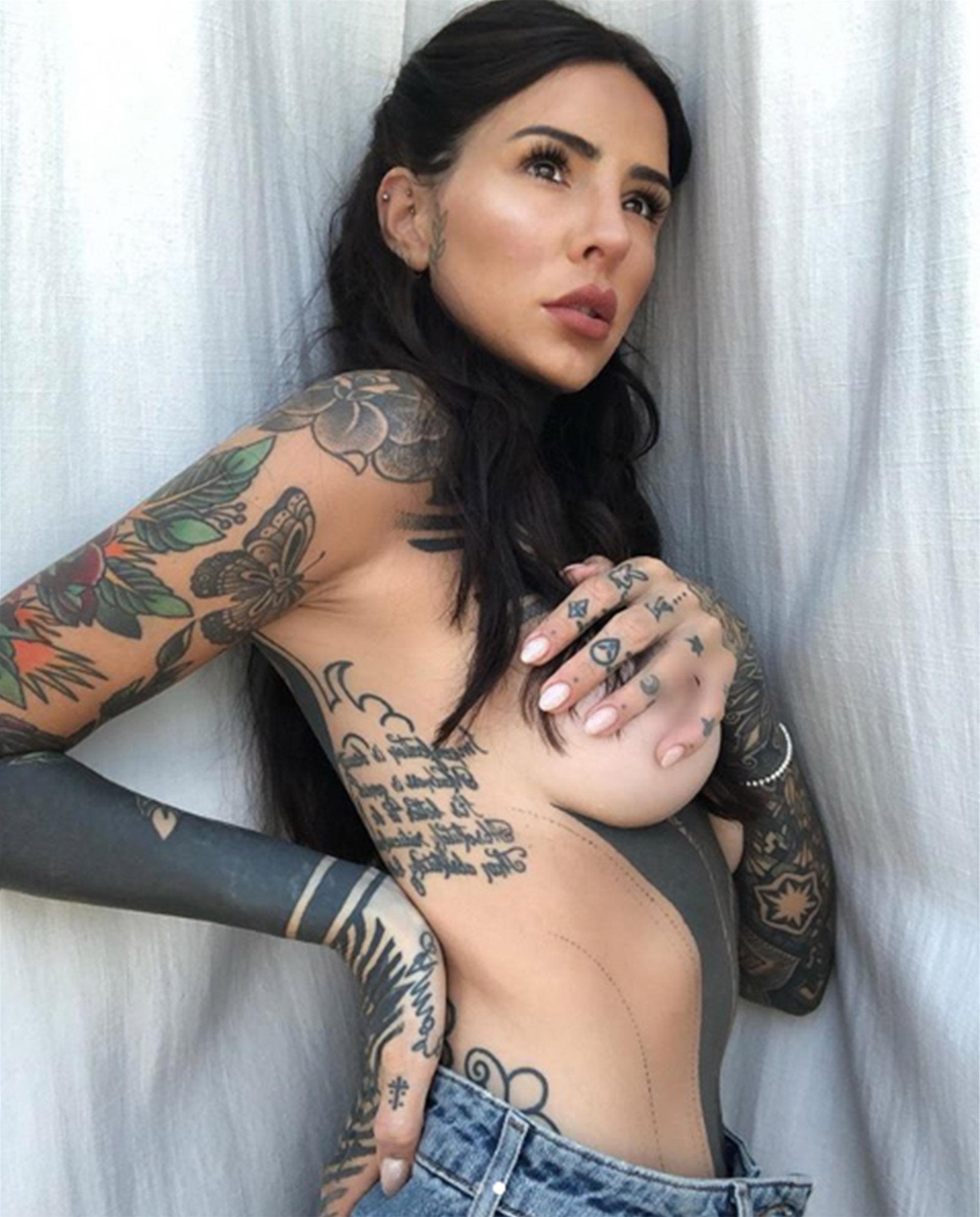 """""""¡Fabulosaaaa!"""", escribió Flor de la V en esta foto posteada por Candelaria Tinelli, que la it girl acompañó con el emoticón de una cebra (Foto: Instagram)"""