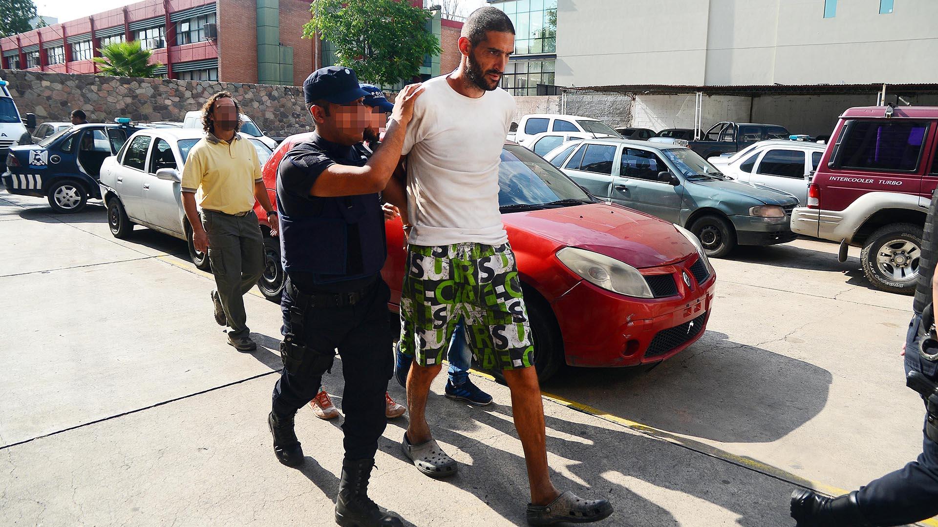 Nicolás Gil Pereg está alojado en la penitenciaria de Boulogne Sur (Télam)