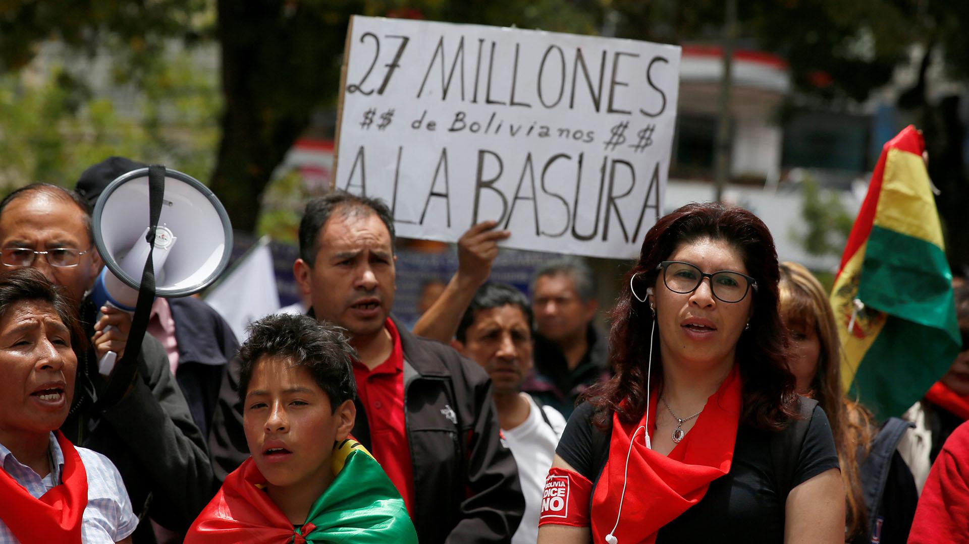 Un grupo de bolivianos se manifestó en contra de las elecciones primarias(REUTERS/David Mercado)