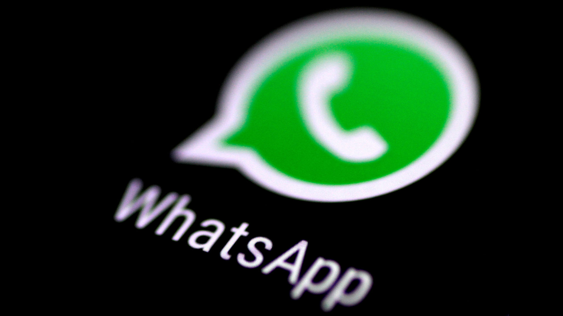WhatsAppinstó a los usuarios a actualizar la plataforma para protegerse ante la vulnerabilidad reportada ayer(REUTERS/Thomas )White