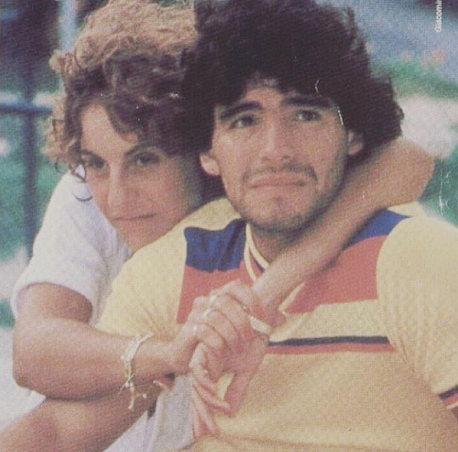 La Pelea Judicial De Diego Maradona Y Claudia Villafane Allanamiento Y Reves Judicial En Estados Unidos Infobae